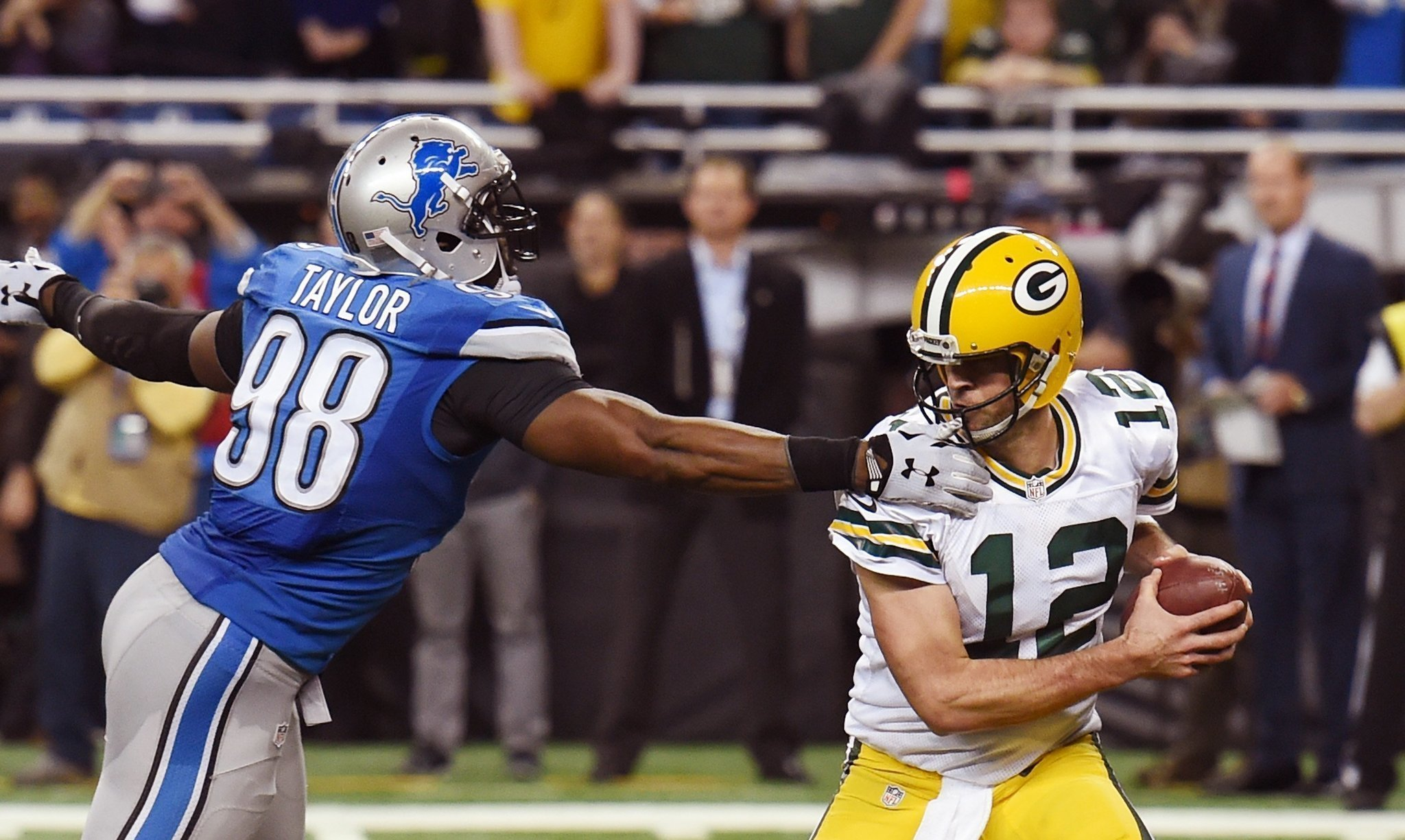 Hail Mary helps Packers close in on NFC North lead - The San Diego ... fbb733ce8