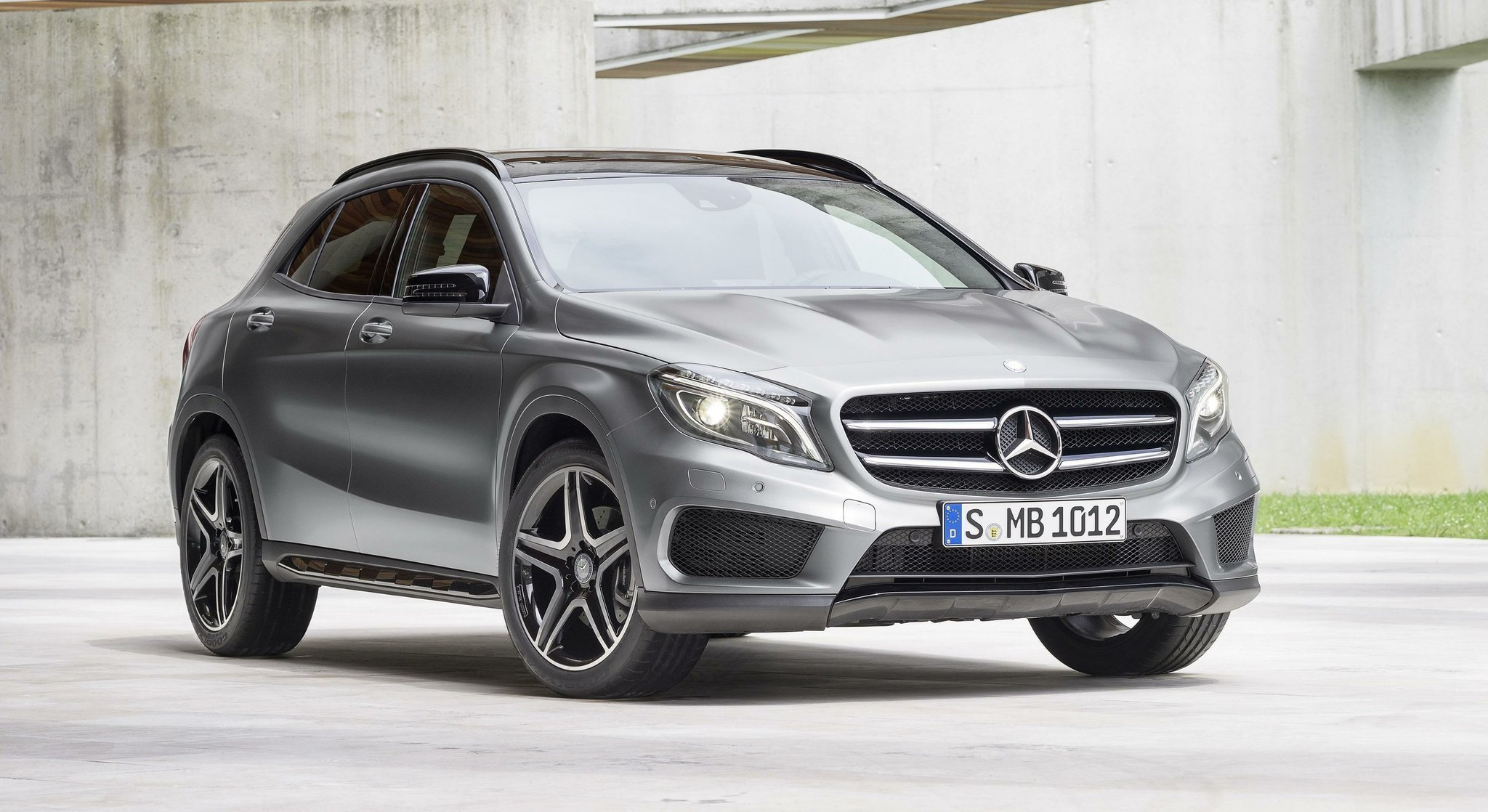 Subcompact Mercedes Gla A Sly Beauty With Issues The San Go Union Tribune