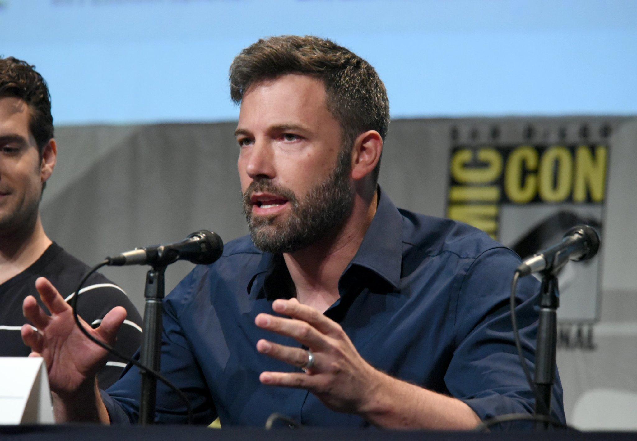 Ben Affleck Debuts Batman V Superman Footage At Comic Con The