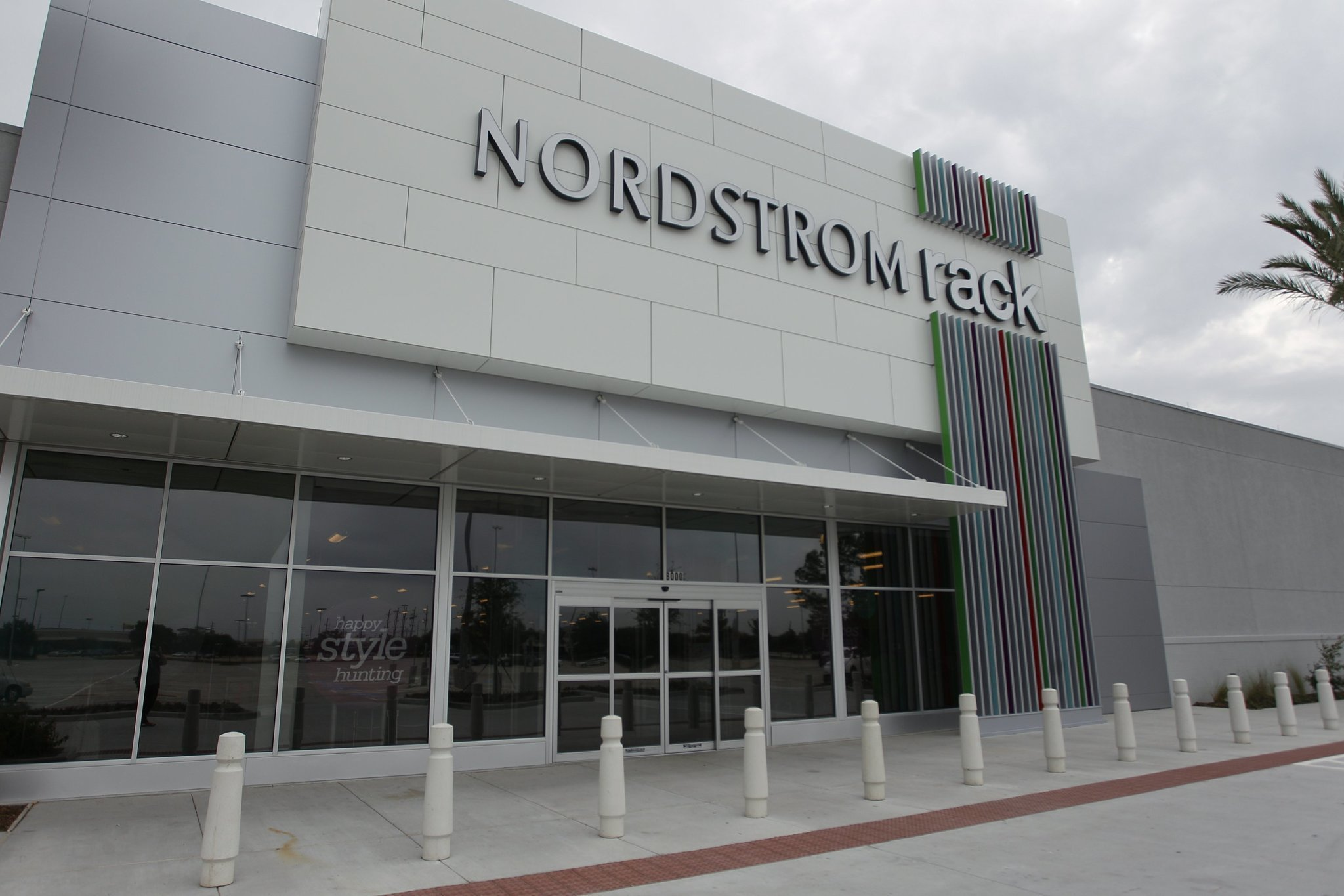 Woodlands Mall Clothing Stores