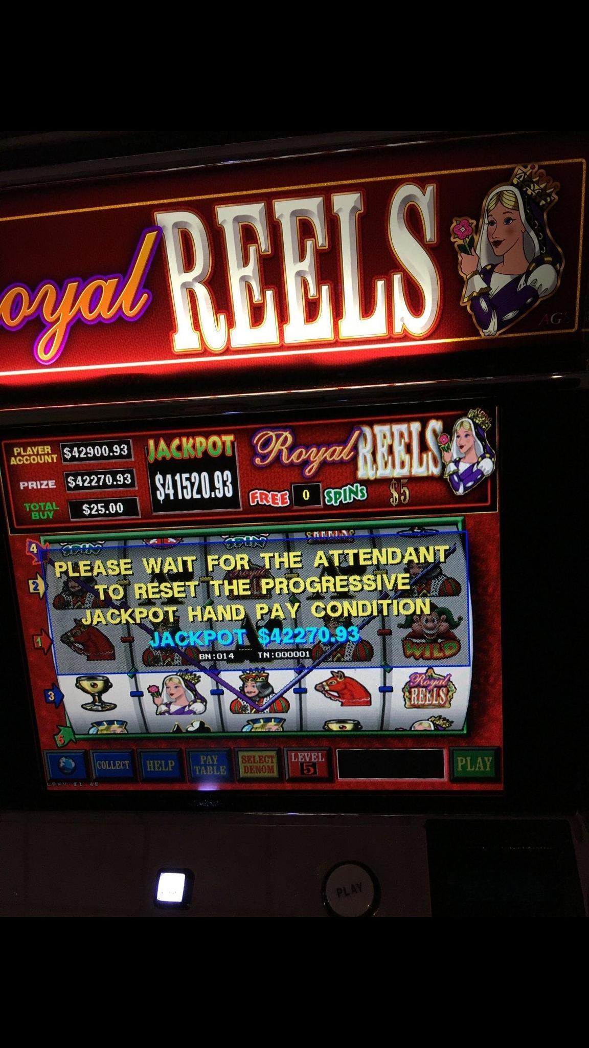 Royal reels slot machine jackpot