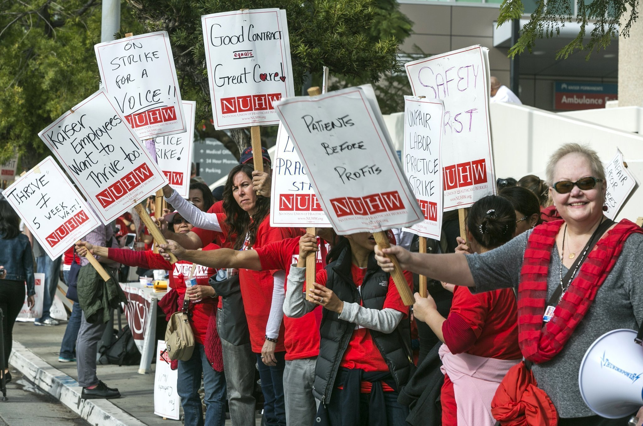Kaiser S 2 600 Mental Health Workers To Strike In California The