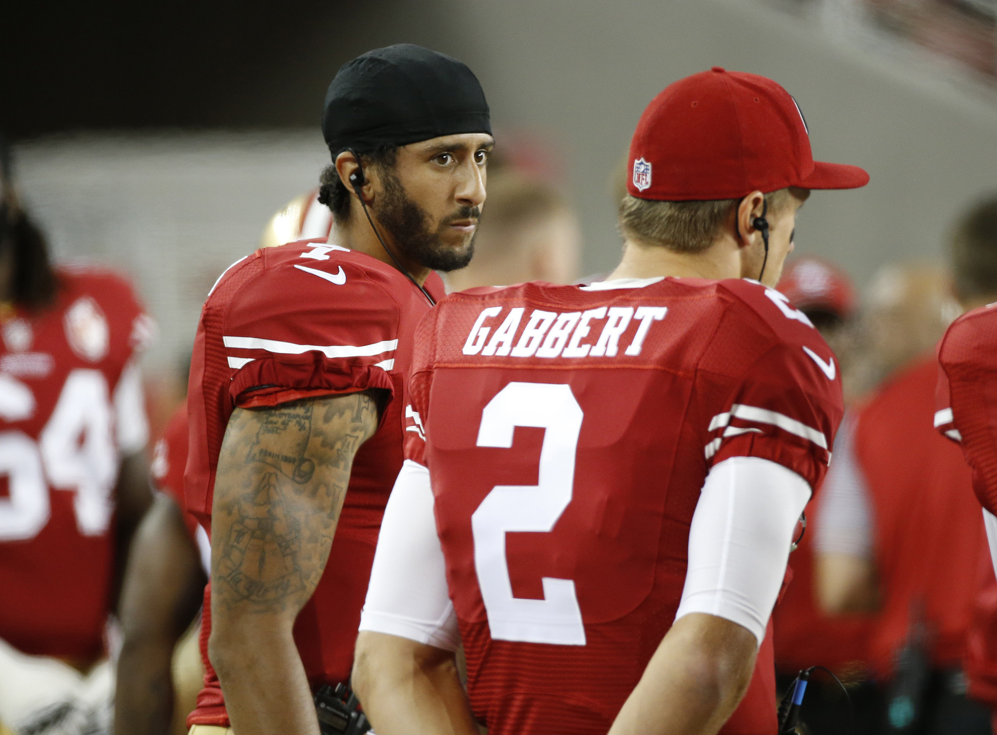 784846552 49ers QB Kaepernick refuses to stand for national anthem in protest -  Chicago Tribune