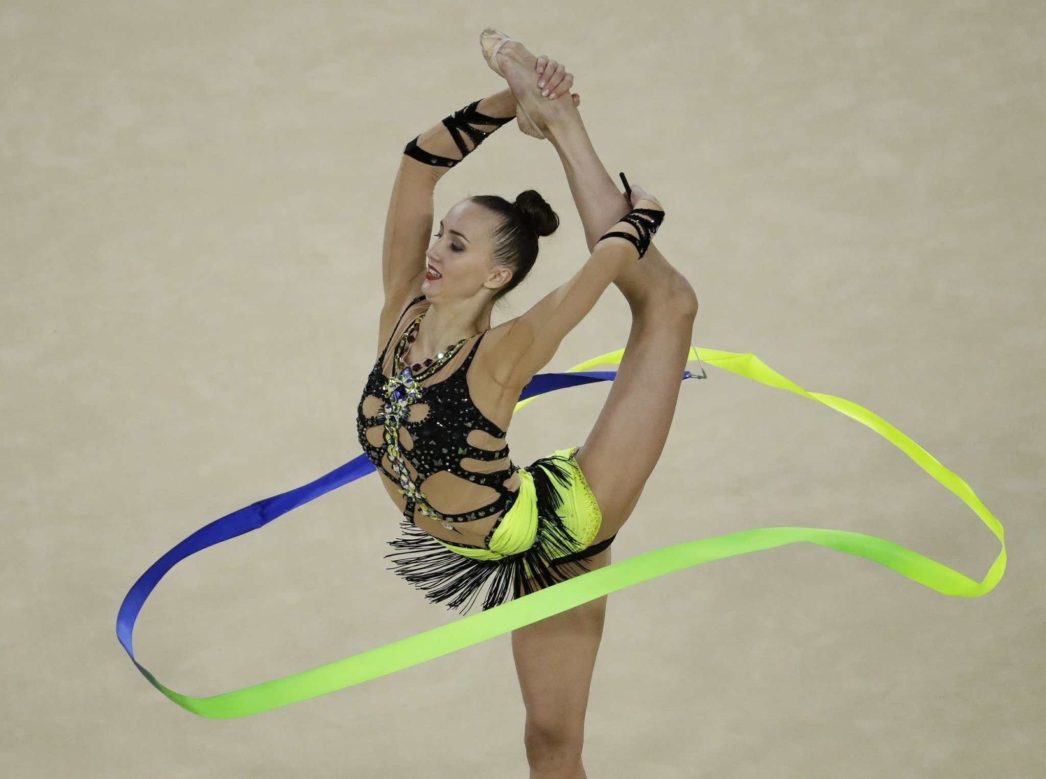 mamun tops world champ kudryavtseva in rhythmic gymnastics the san