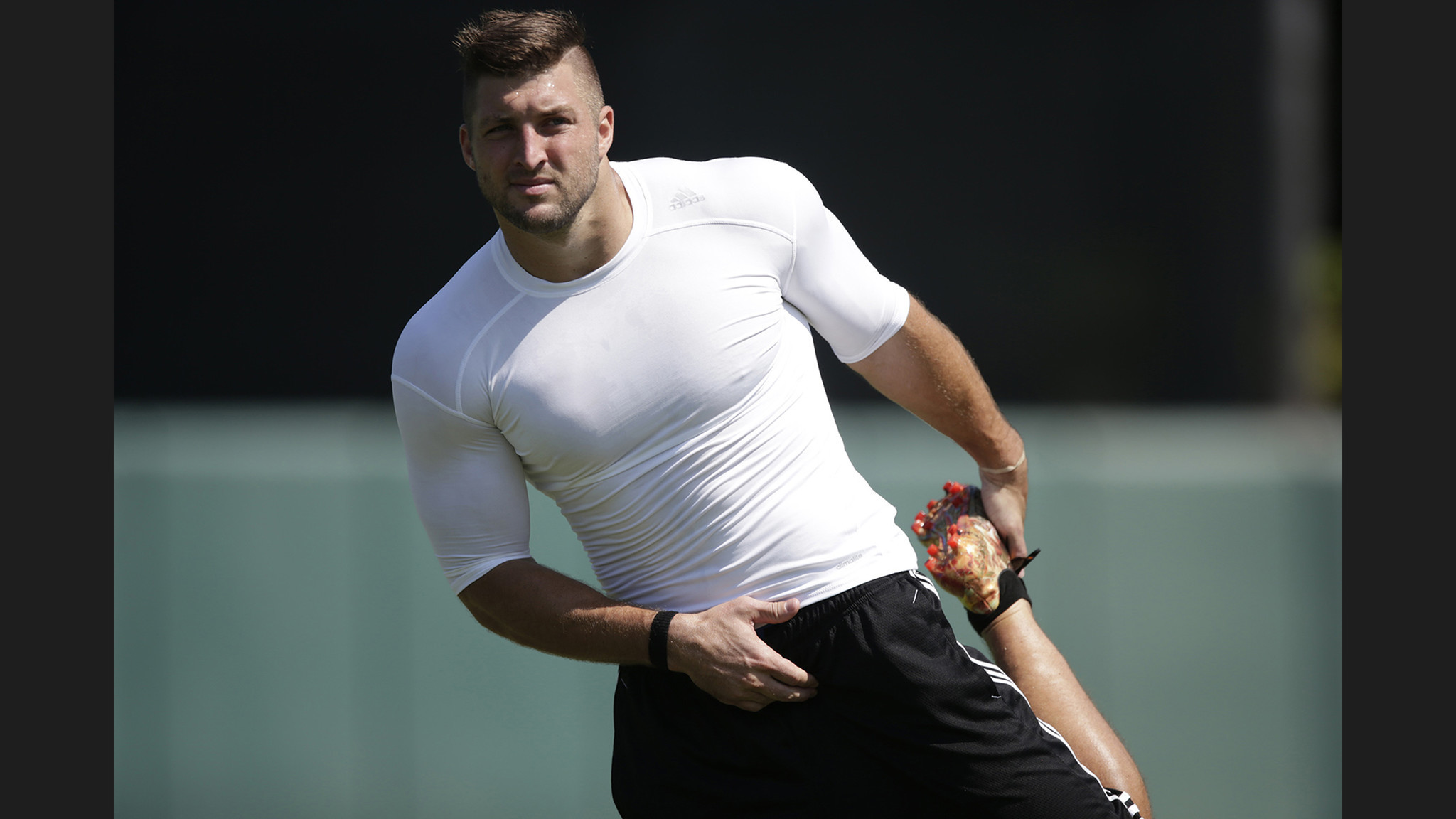 Astounding Tim Tebow Shows Off Baseball Skills And Some Scouts Say Hell Short Hairstyles Gunalazisus