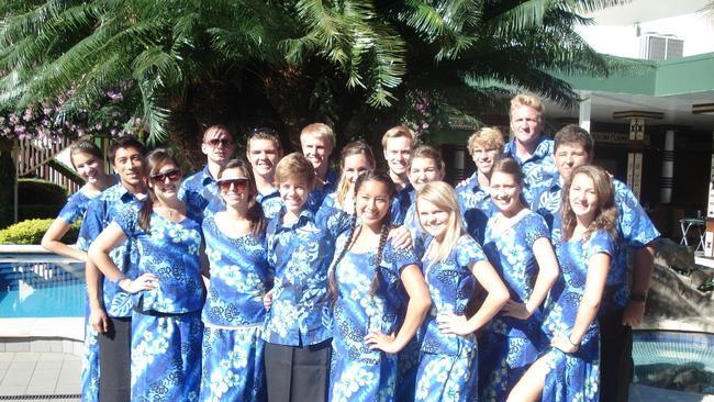 SOLANA BEACH: Choir visits Fiji to help storm victims - The San