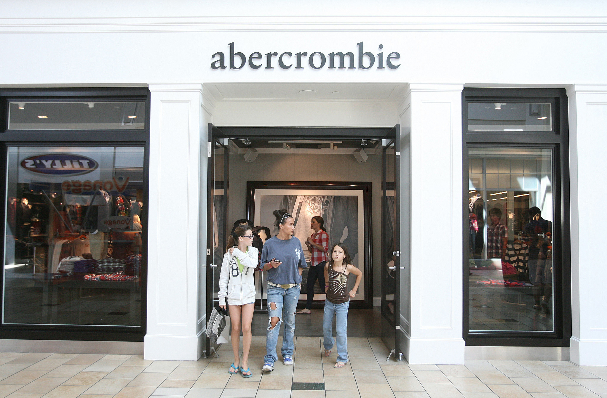 Abercrombie & Fitch can't get grown-ups into the kids