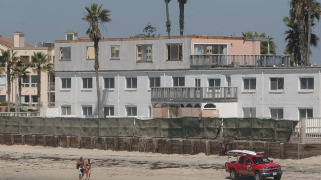 I B Begins Seacoast Inn Demolition Today The San Go Union Tribune