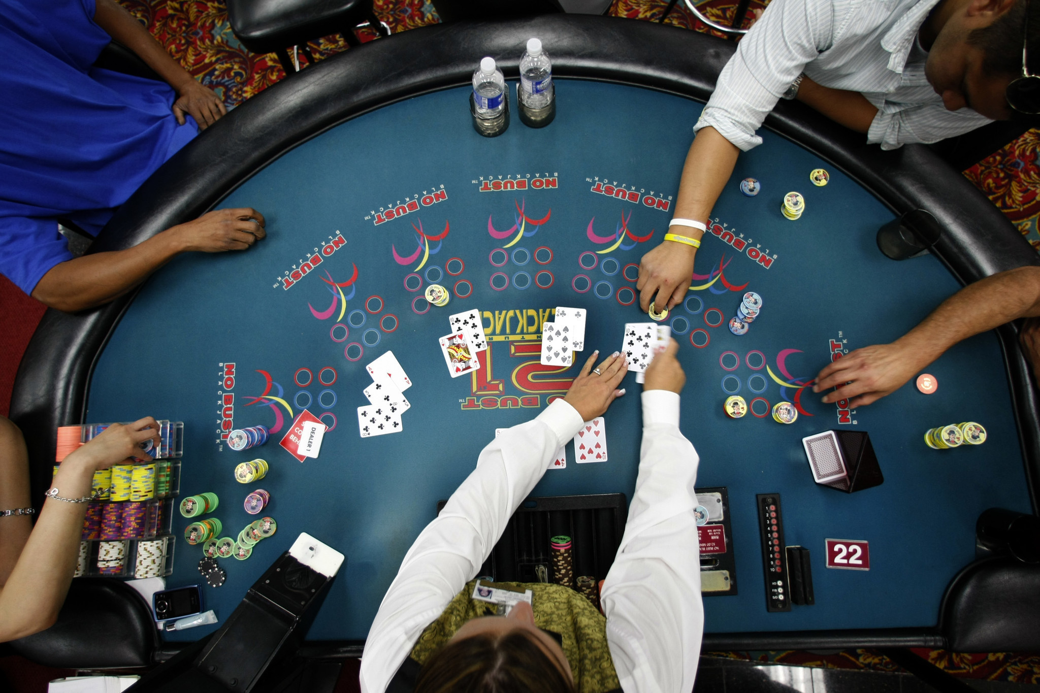 Texas holdem hands flush