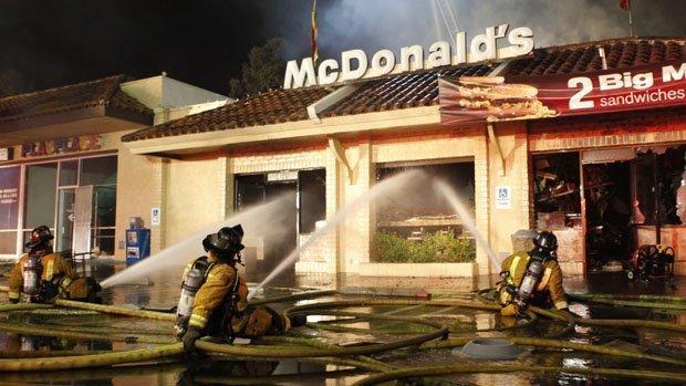 Explosion 3 Alarm Fire At Mcdonald S Restaurant In