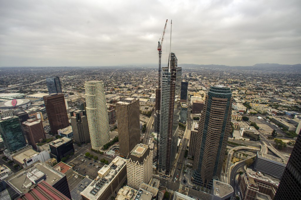 With Spire In Place Wilshire Grand Stretches Skyward To