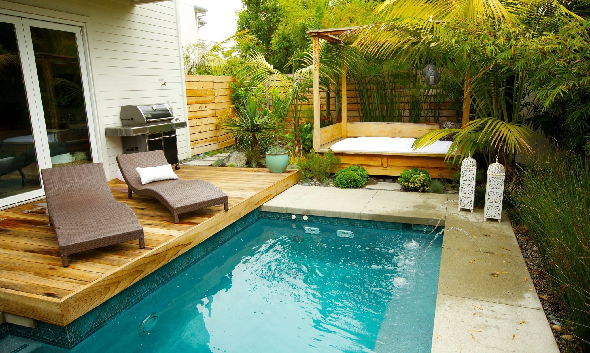 Small garden is tropical oasis - The San Diego Union-Tribune on Small Tropical Backyard id=99590