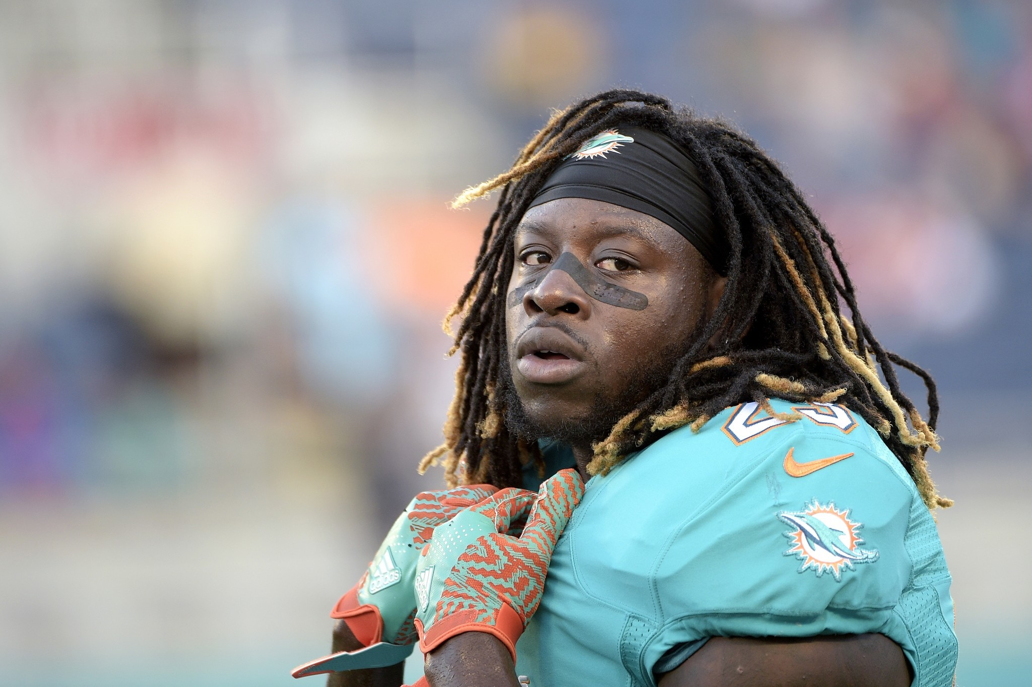Dolphins Backup Running Back Jay Ajayi Doesnt Travel With