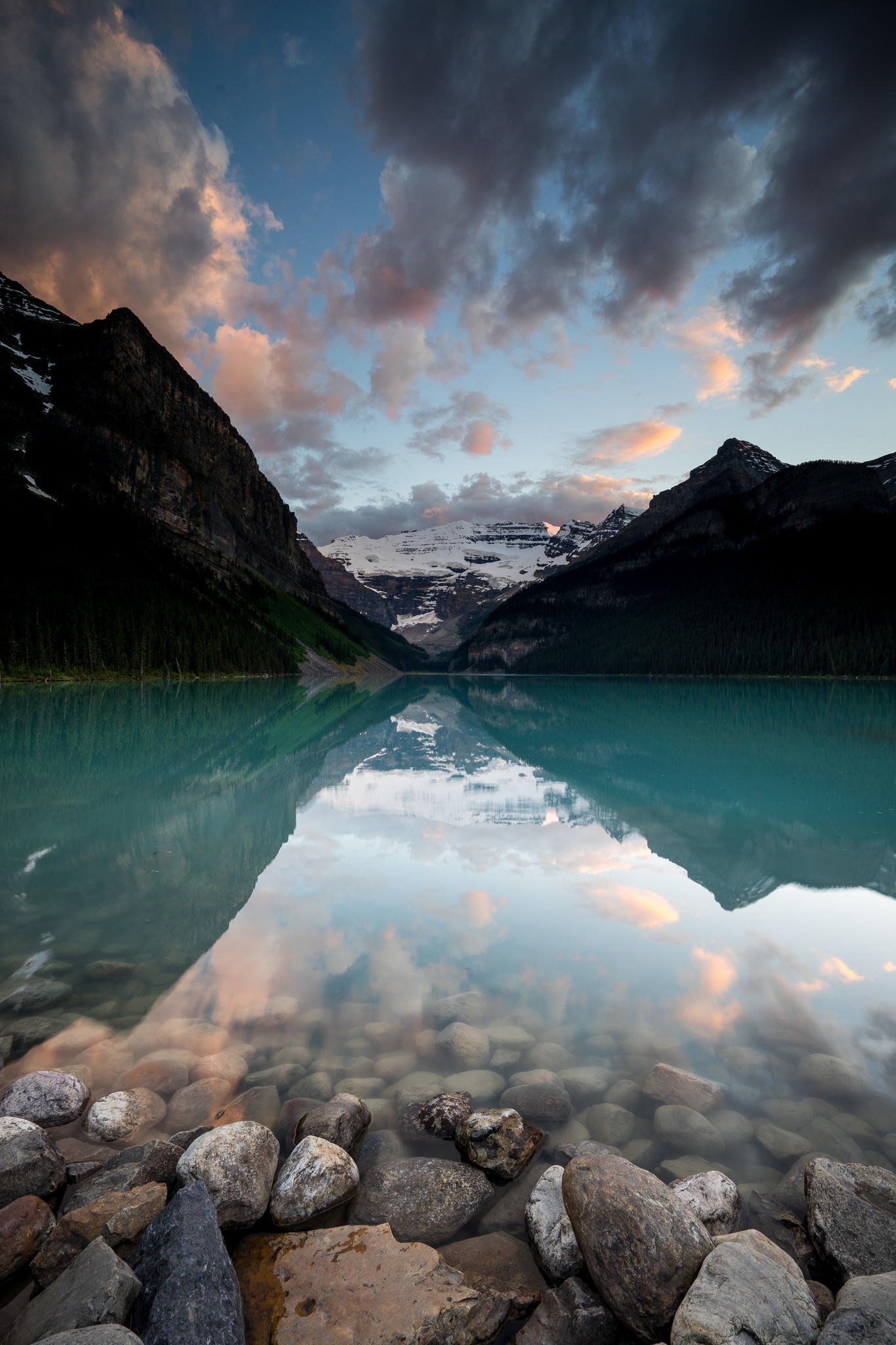 Lake Louise, Banff National Park, Canadian Rockies, Alberta, Canada.