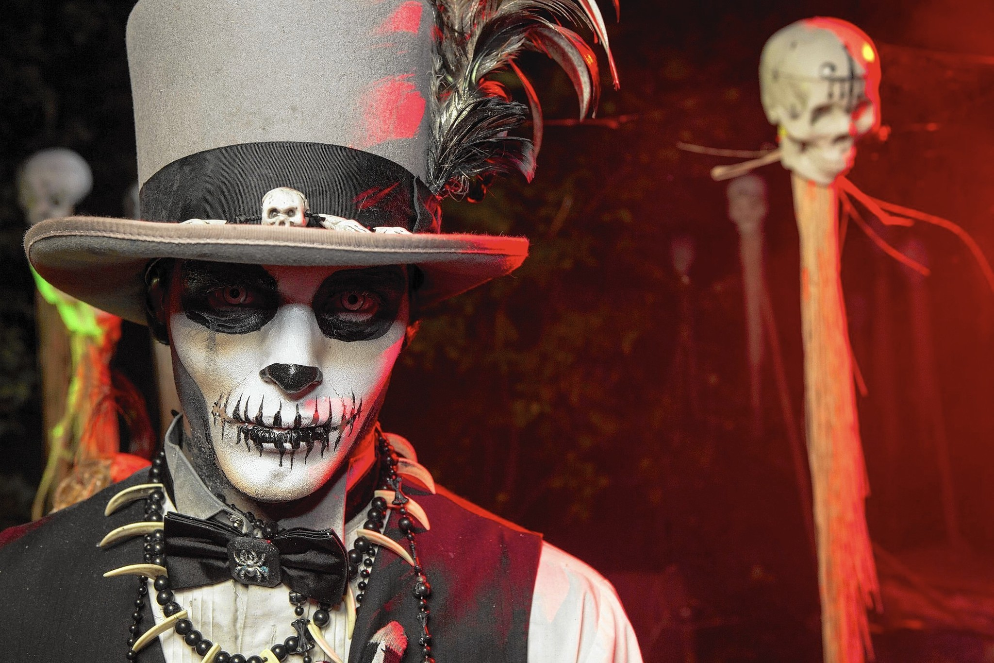 Oct 10, · With only 3 weekends left to experience HAUNT at Dorney Park, Week 3 did NOT disappoint. Mythological Creatures took over the Midways, .