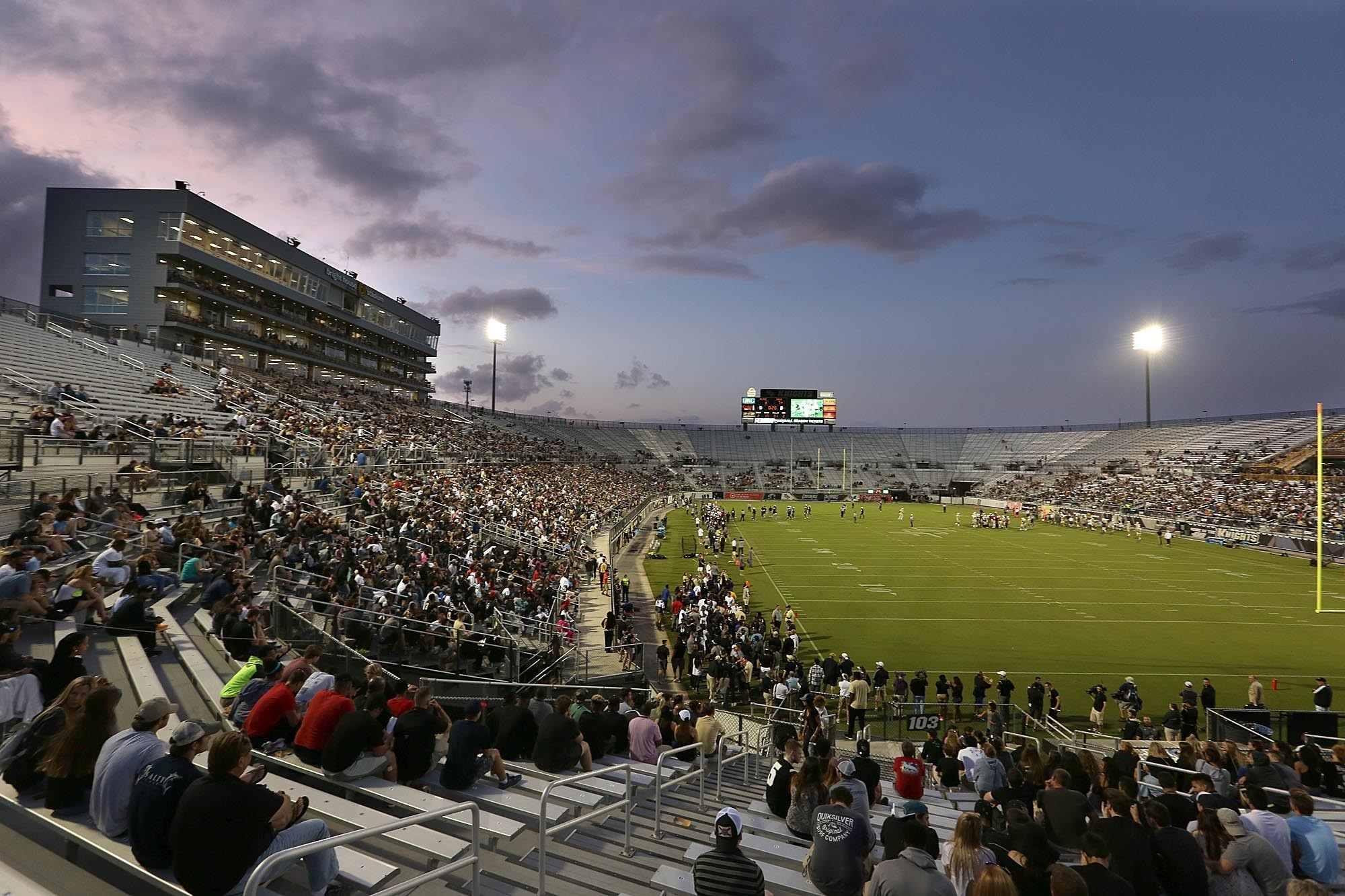 Ucf Football Scott Frost >> UCF uses innovative approach to help spike football attendance - Orlando Sentinel