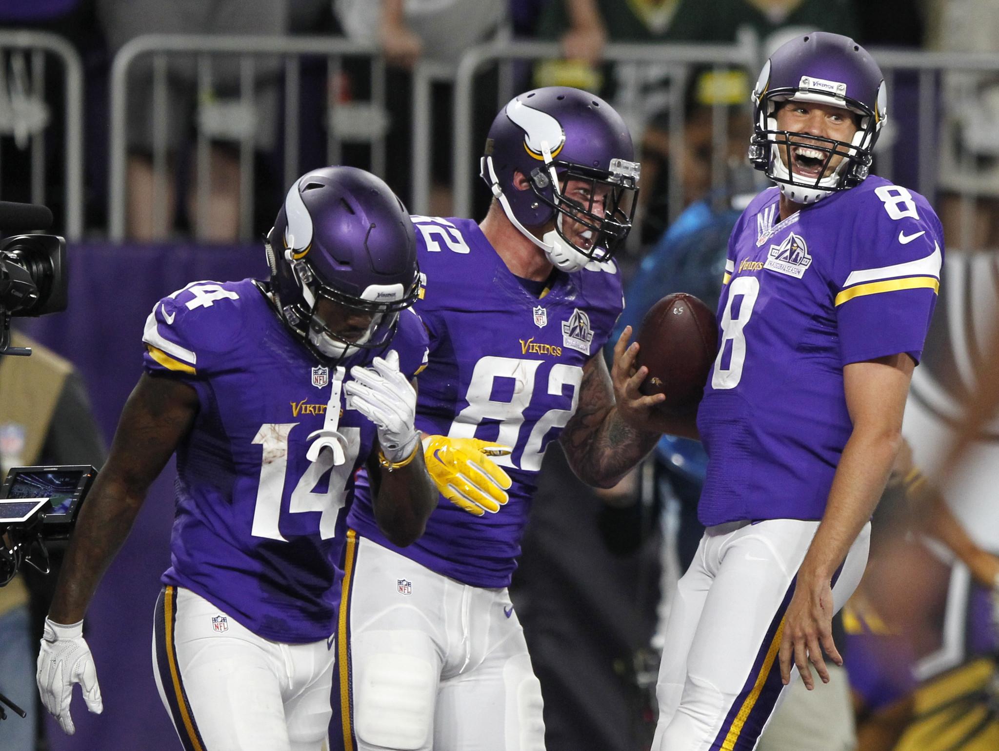 Sam Bradford leads Vikings over Packers 17-14 in Minnesota debut - Chicago  Tribune 9b1ab0ac5