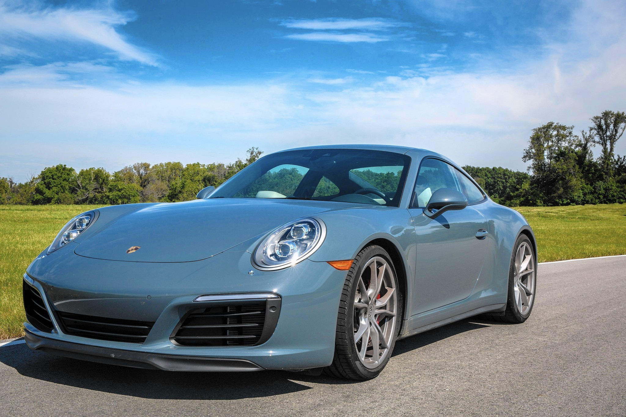 2017 Porsche 911 Taps Into All That Is Good