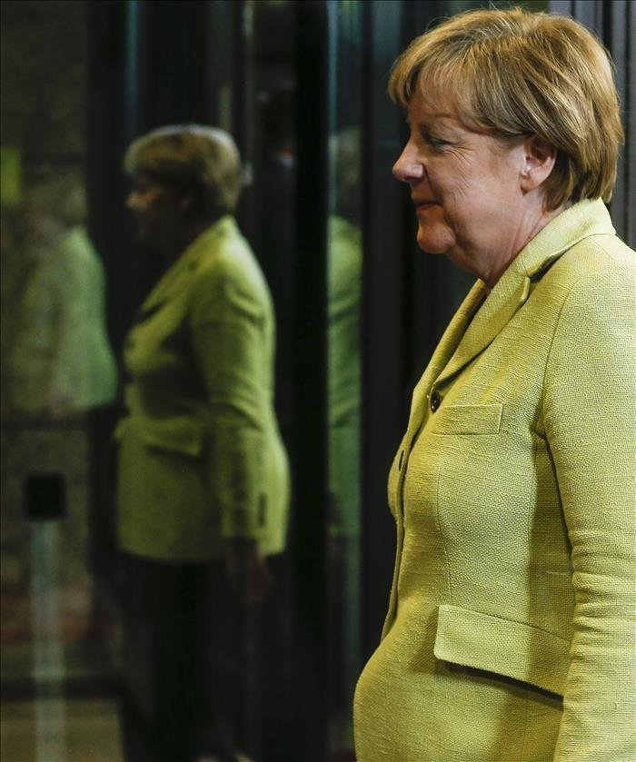 Un Video Promocional De Una Revista Lesbiana Hace Furor Con Un Montaje De Merkel The San Diego Union Tribune