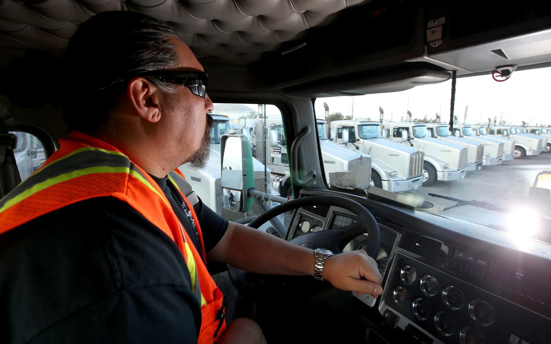 Robots Could Replace 1 7 Million American Truckers In The Next