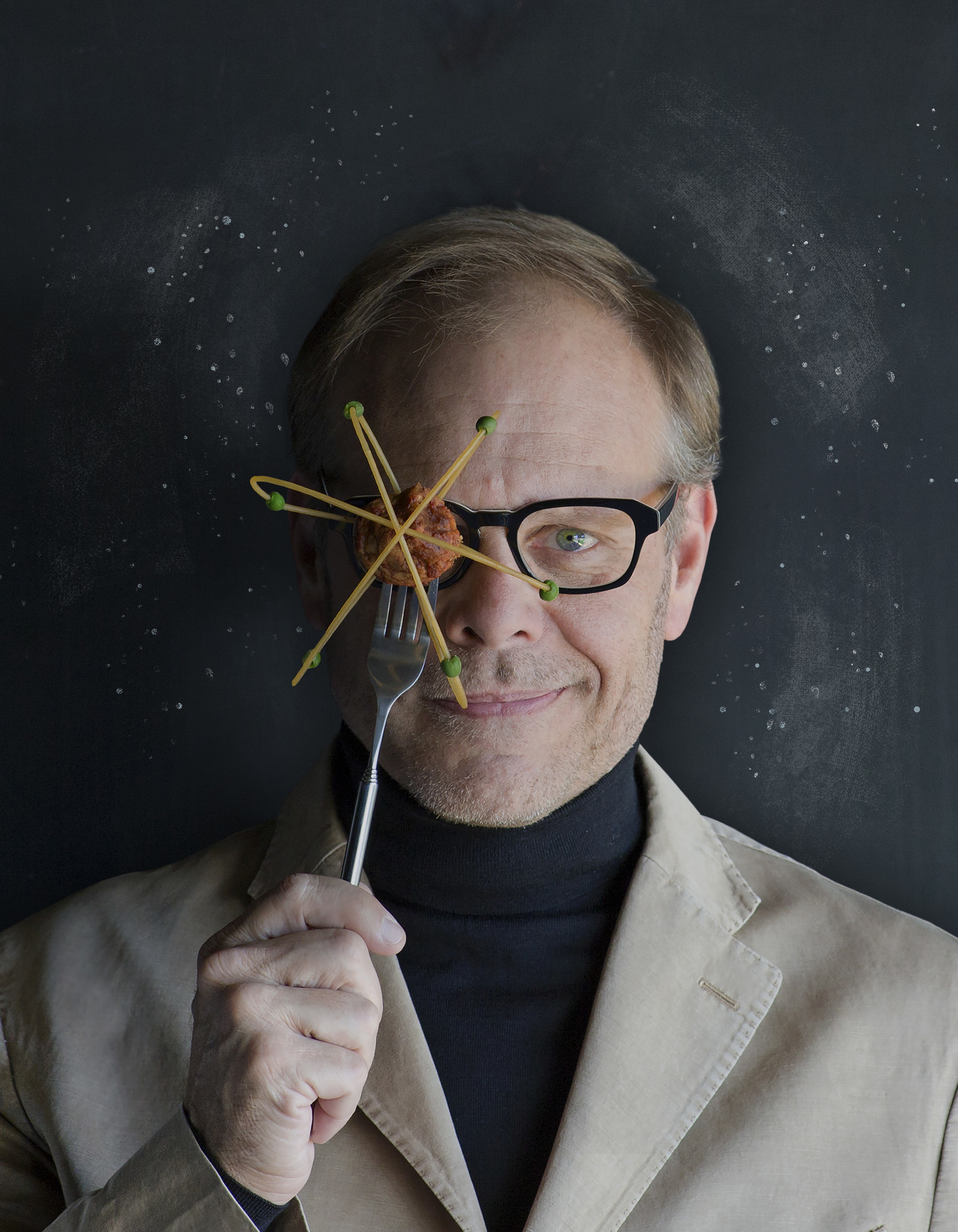 Alton Brown holding book signing at local Barnes & Noble