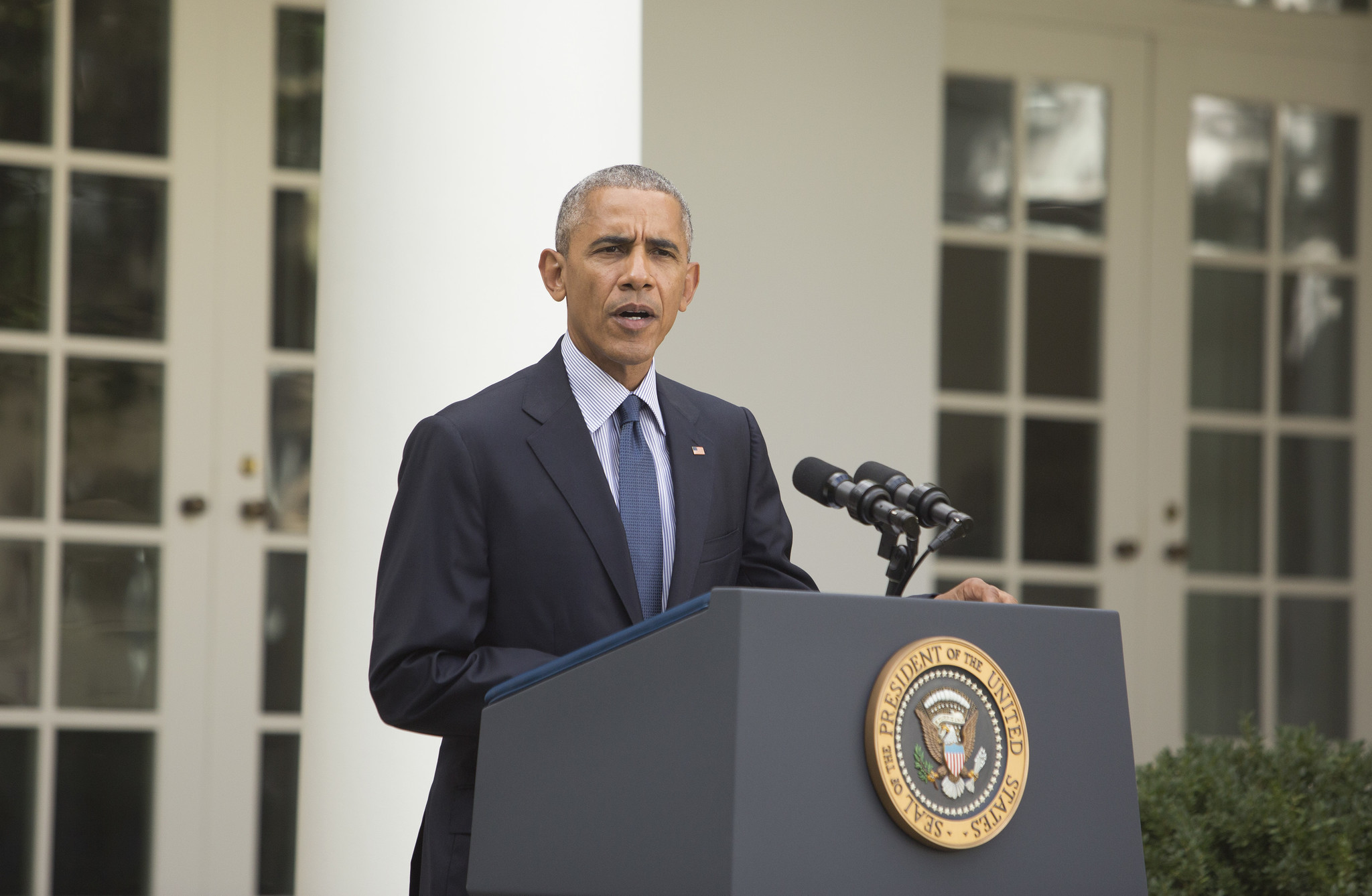 obama warns against taking dramatic steps that could harm economy obama warns against taking dramatic steps that could harm economy chicago tribune
