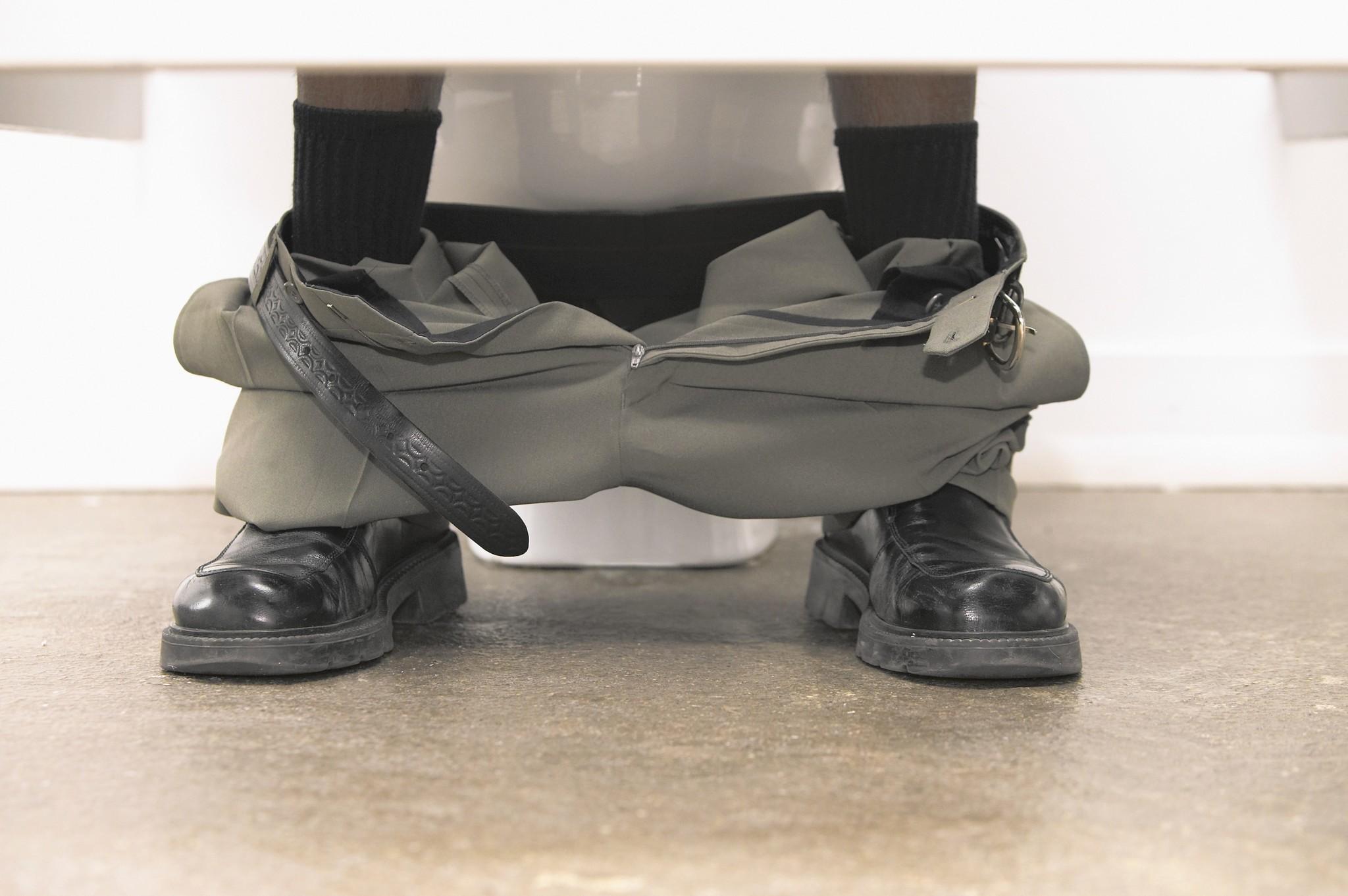 Should Men Sit Down To Pee Chicago Tribune