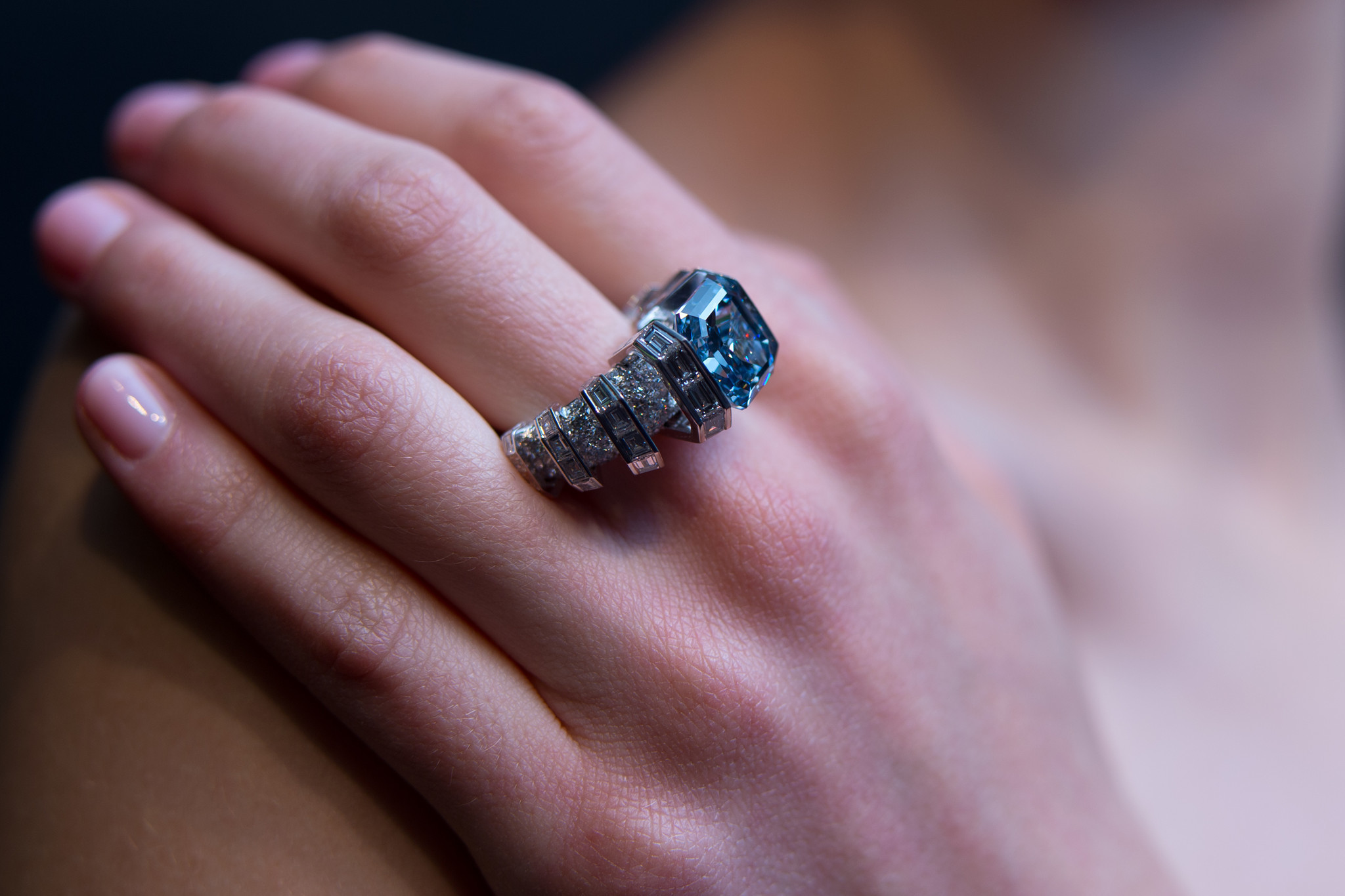 Blue diamond ring could fetch $25 million in British auction