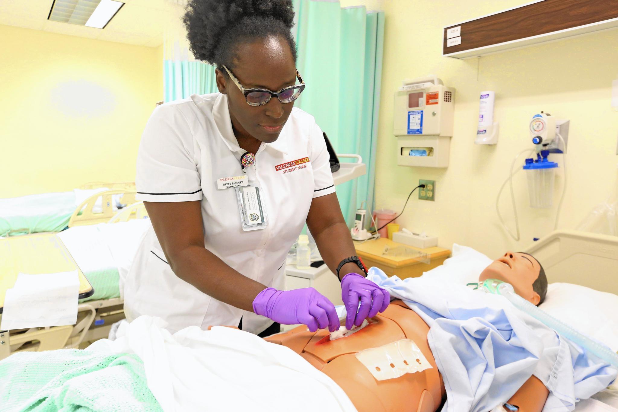 Ucf College Of Nursing >> Schools scramble to fight state's nurse shortage - Orlando ...