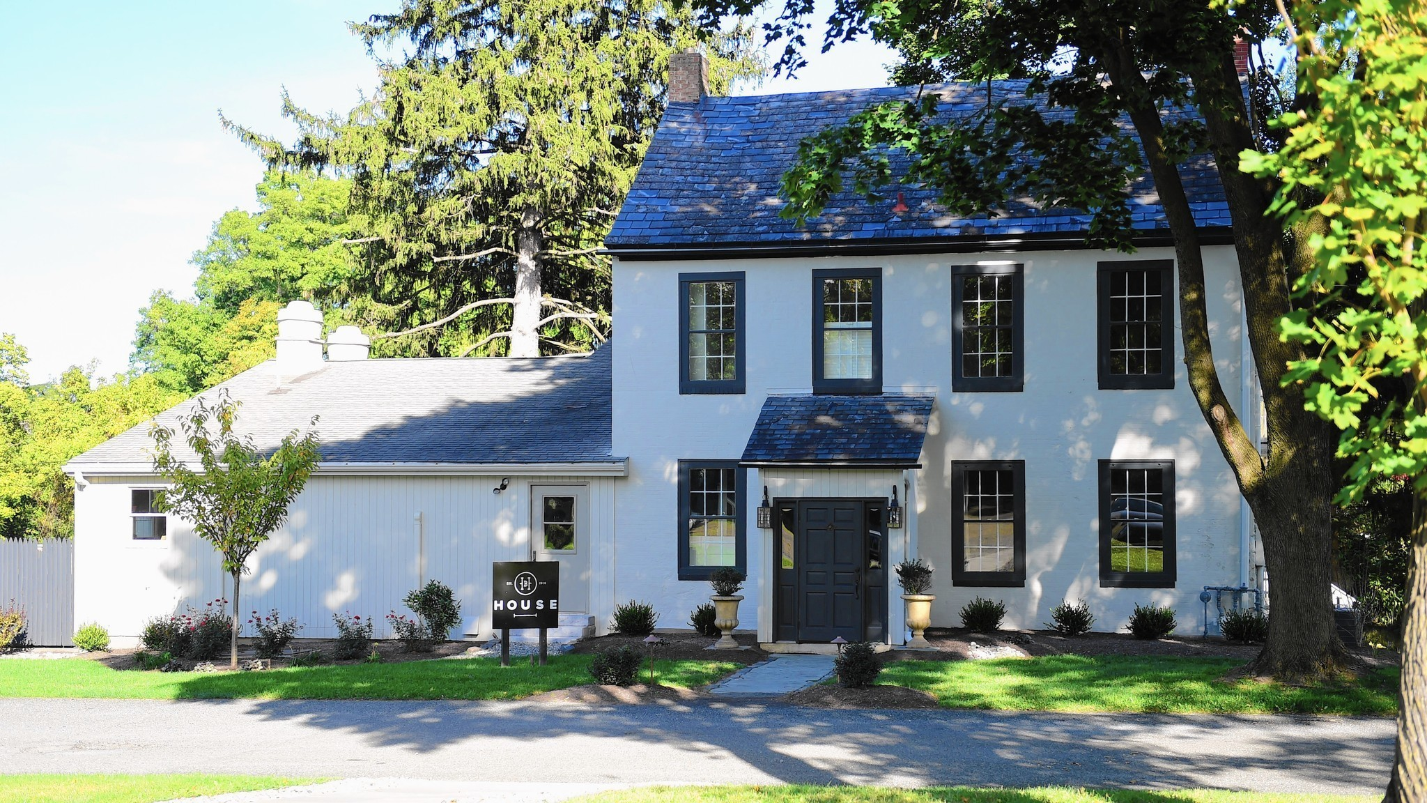 Casual Elegance At The House In Emmaus Lehigh Valley Business Cycle