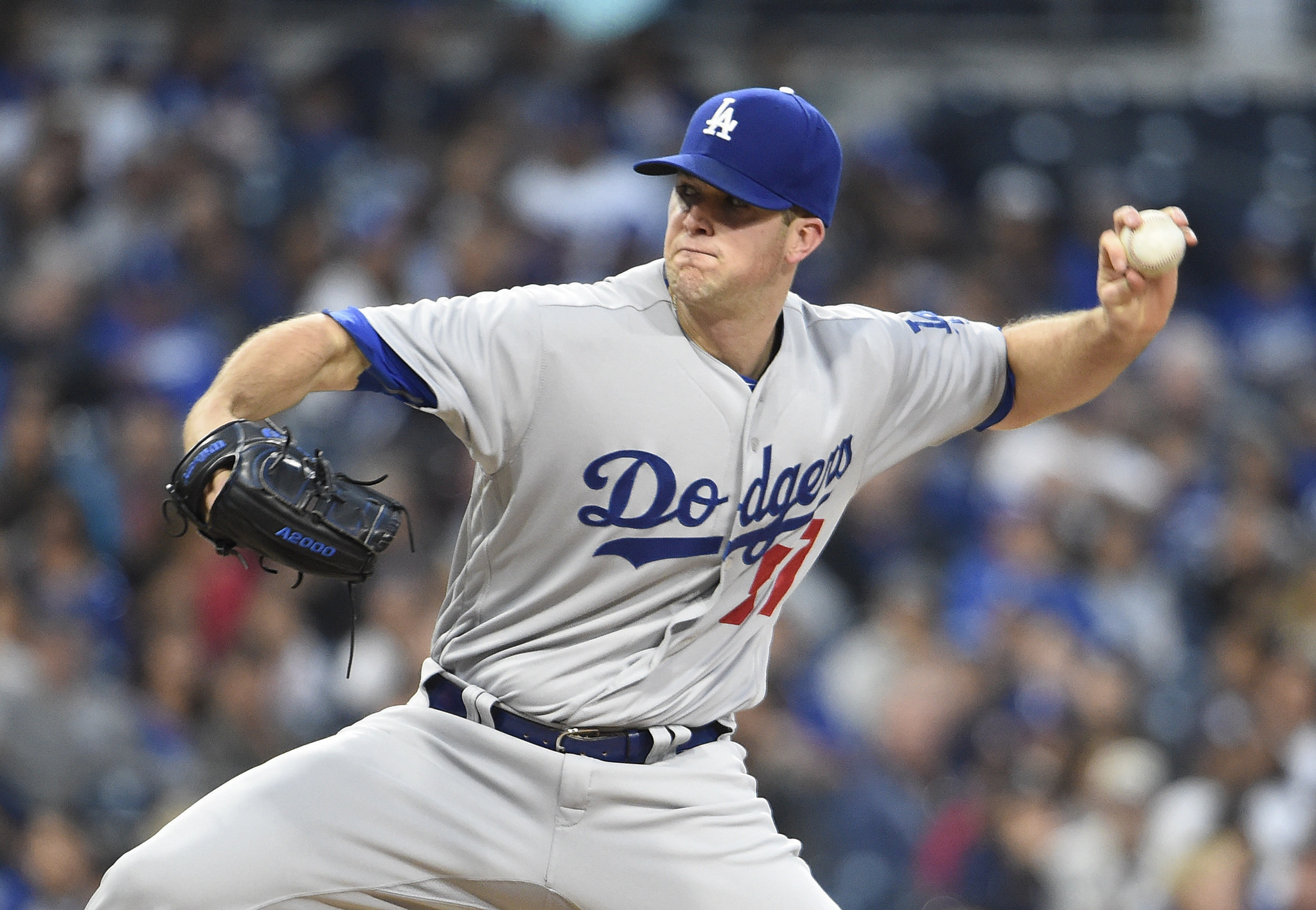 Dodgers add Enrique Hernandez, Alex Wood to NLCS roster