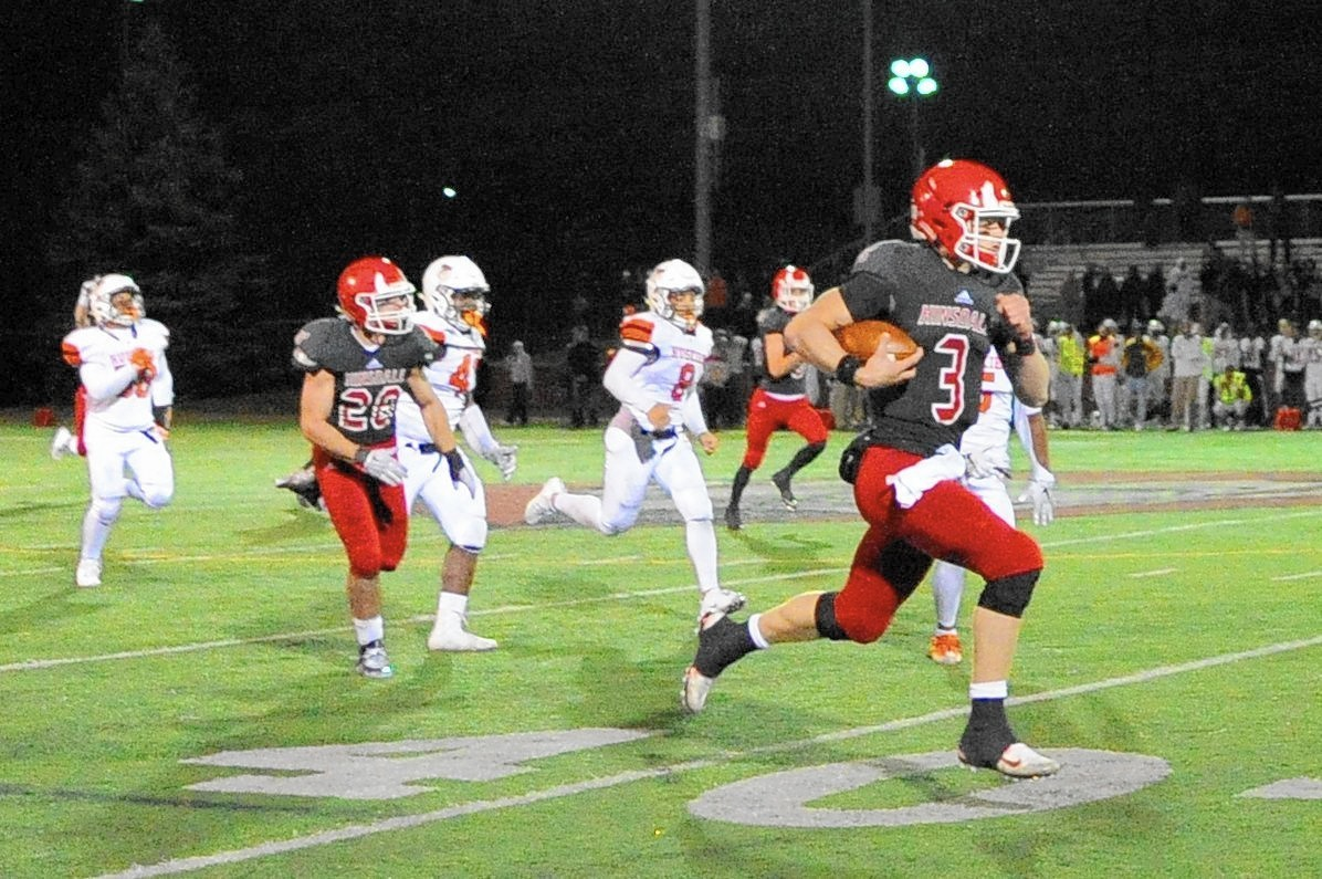 Hinsdale Central Holds Off Oprf To Cap Undefeated Regular Season