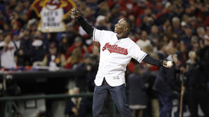 4c9cdf0d1 Indians fan gives up plane seat so Kenny Lofton can make Game 1 in time ·  Chicago Cubs