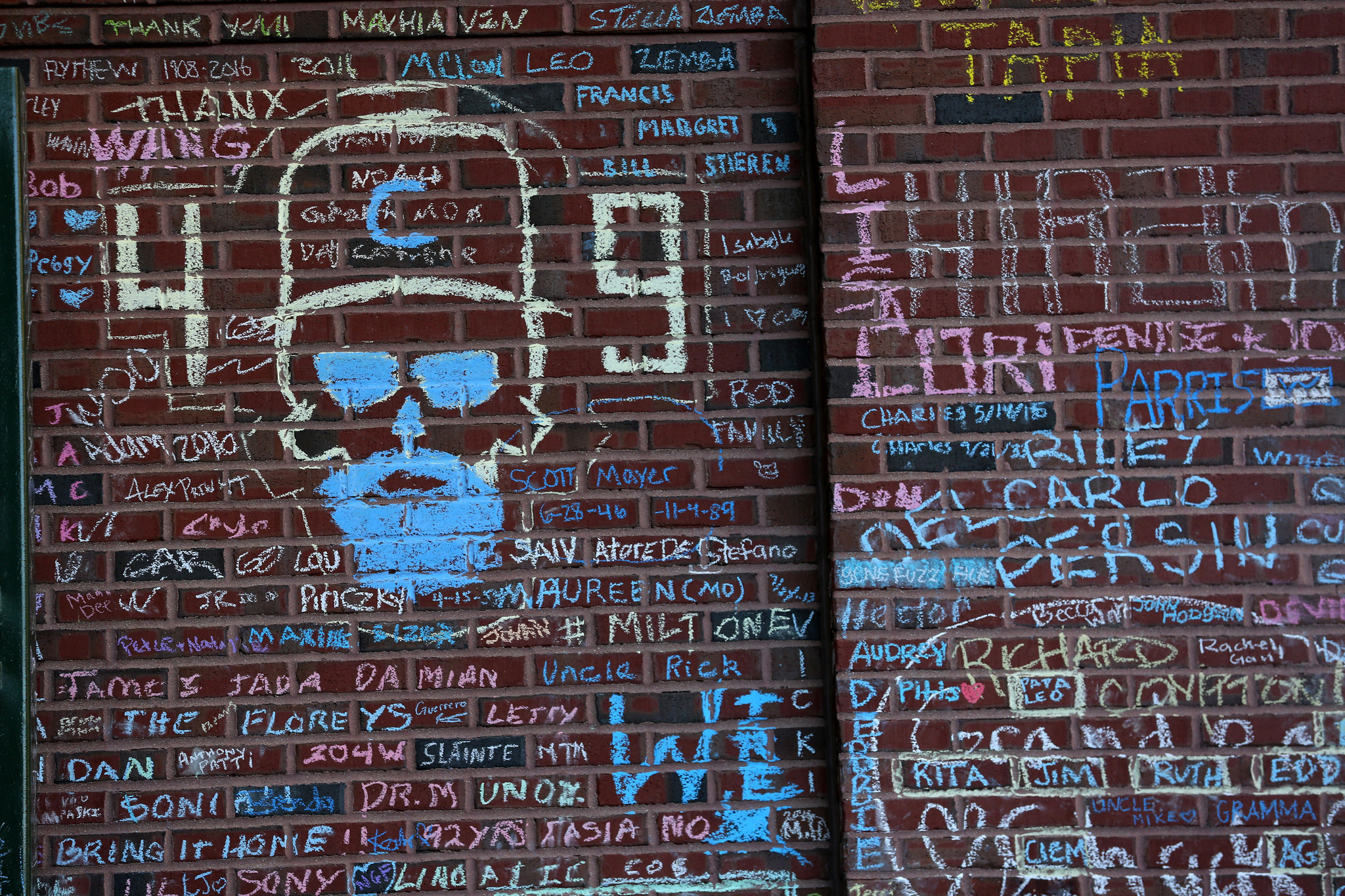 Chalk Message Walls Are A Wrigley Masterpiece Chicago