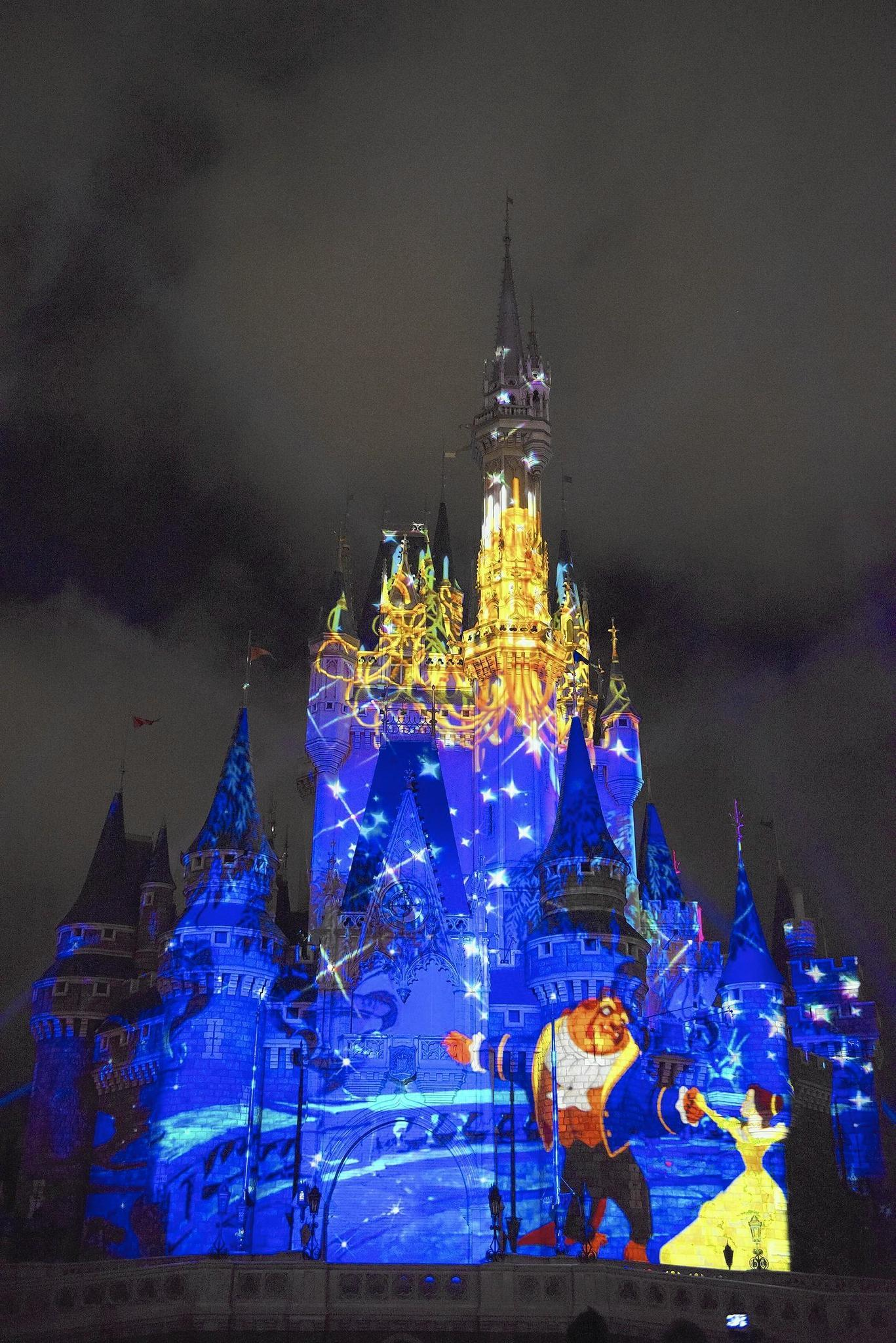 Disney S Once Upon A Time Castle Show Doesn T Disappoint