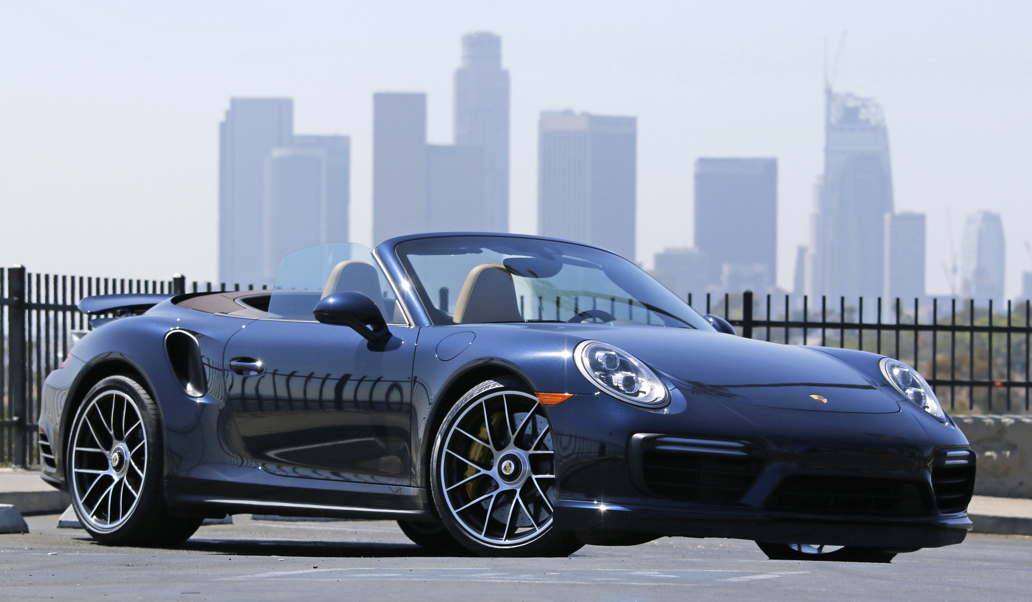 porsche drivers with a need for speed get new playground in l a la times. Black Bedroom Furniture Sets. Home Design Ideas