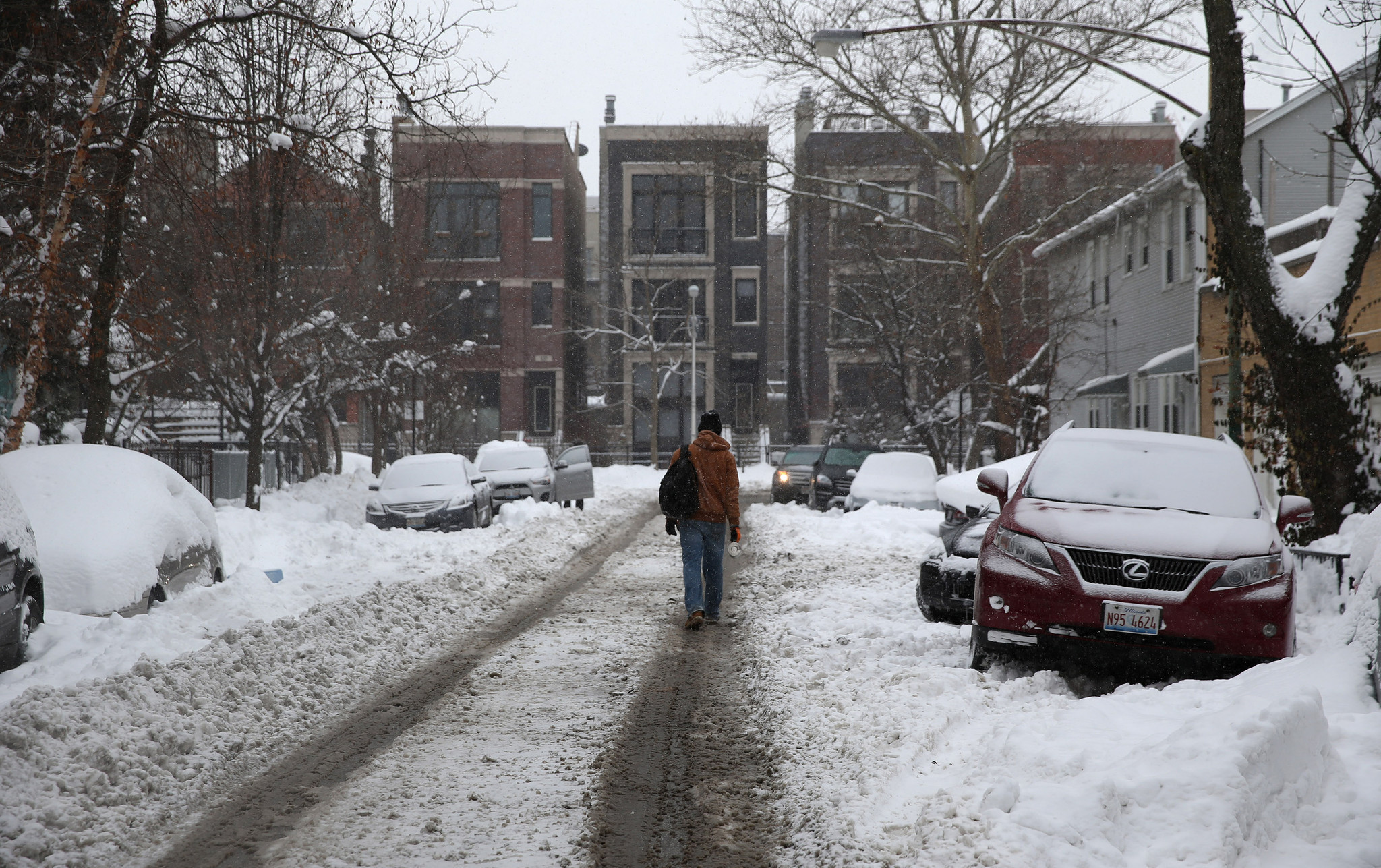 City Chicagoans Prepare For Winter Weather Chicago Tribune