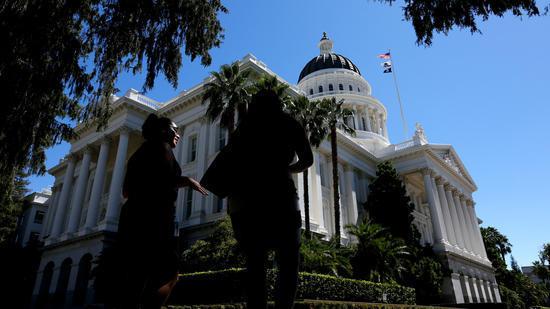 Legislative Analyst Predicts Almost $3 Billion In Spendable State Budget Surplus Next Year