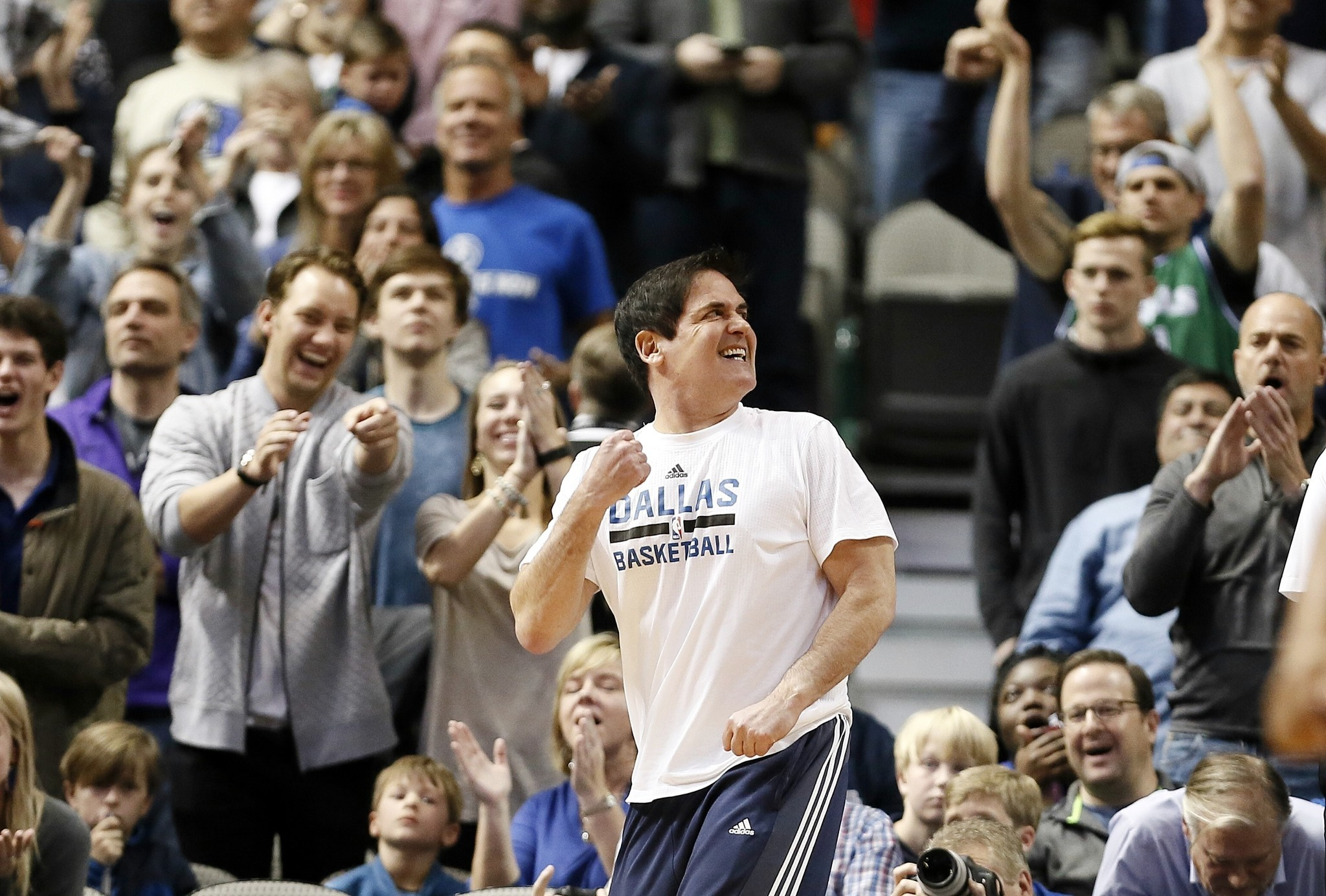 3930a920e2d Mark Cuban  Decision to avoid Trump hotels made  months ago  - Chicago  Tribune