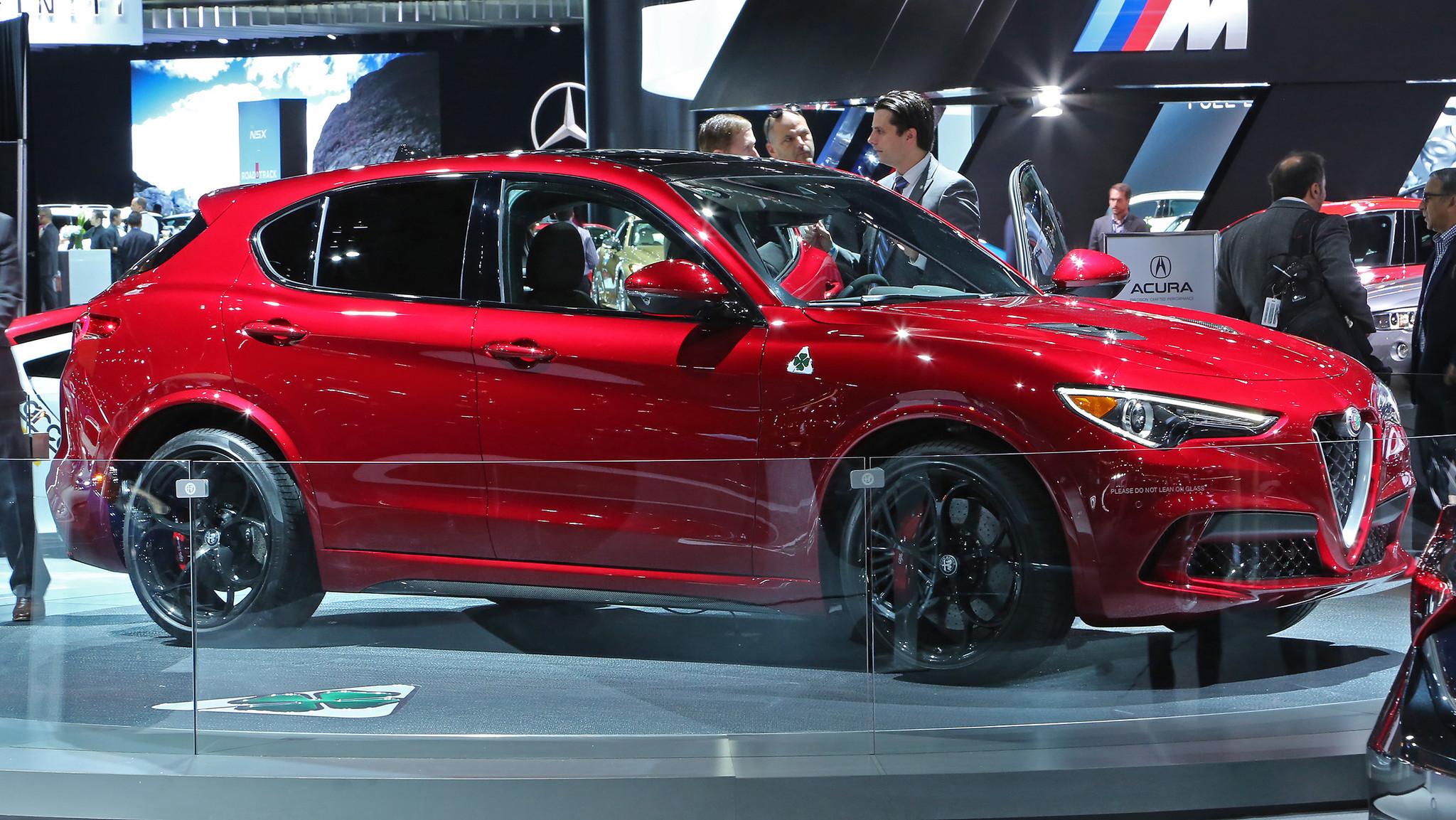 Alfa Romeo Stelvio (Myung J. Chun / Los Angeles Times)