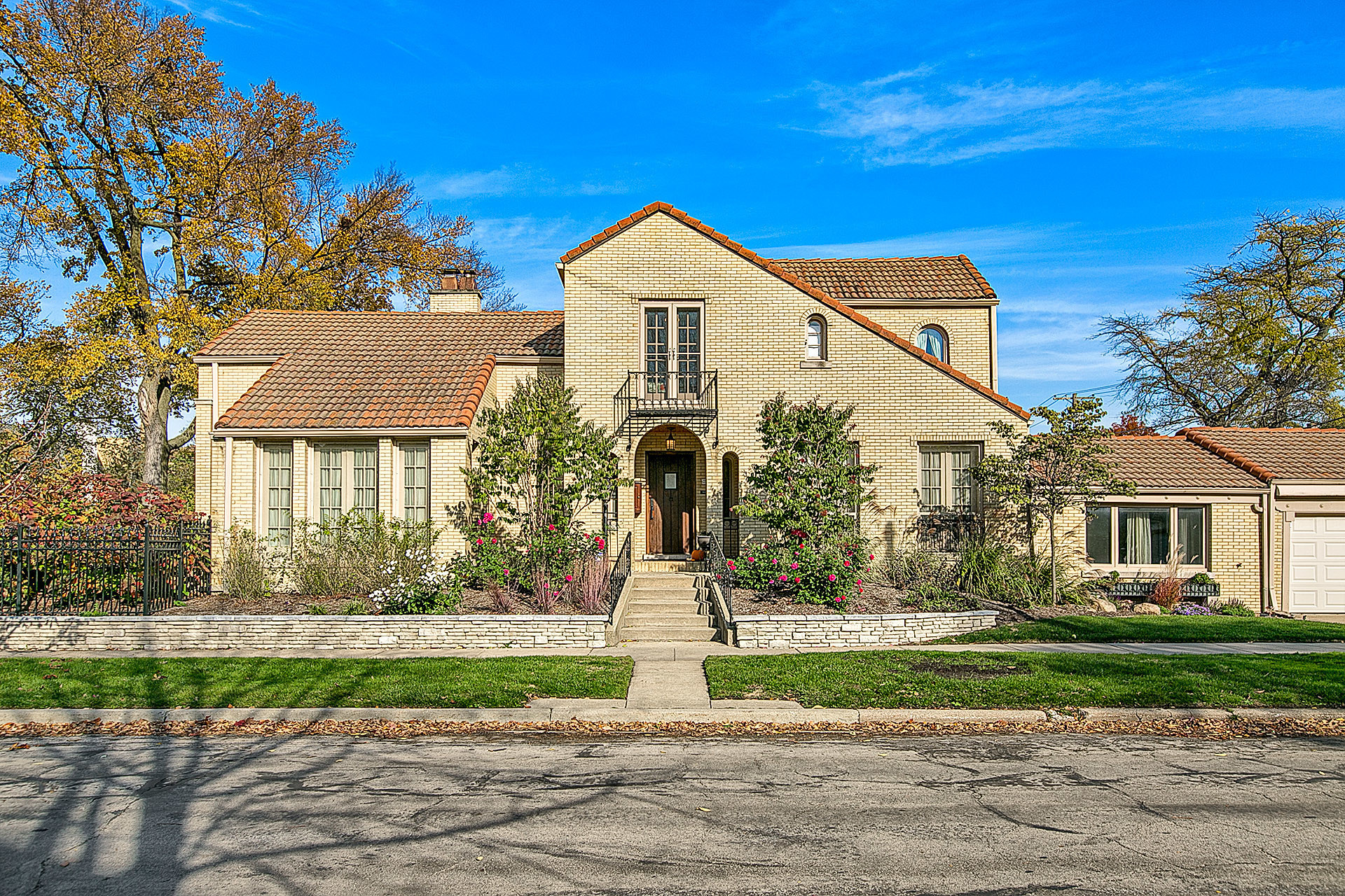 Spanish Colonial Revival In Oak Park 719 000 Chicago