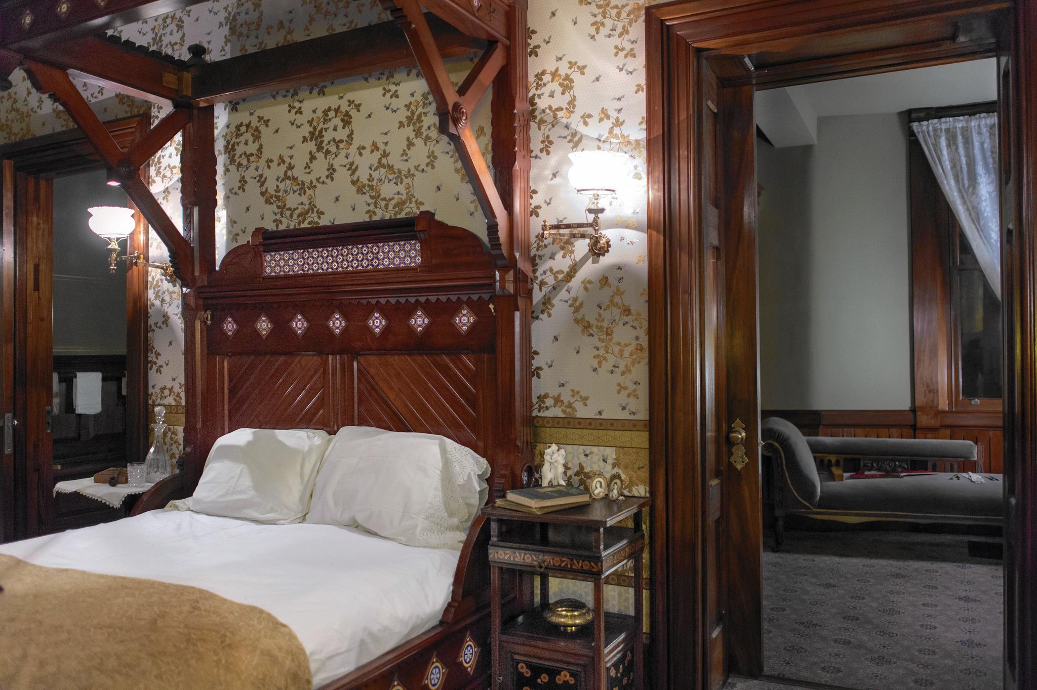 Mark Twain House Reopens Mahogany Suite Hartford Courant