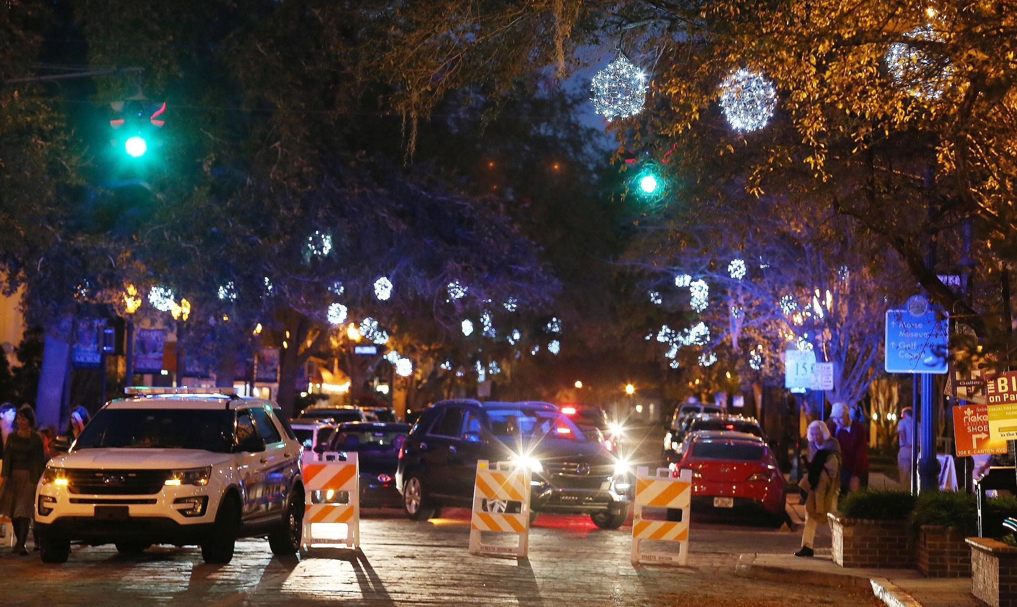 Colorful No More Winter Park Globes Shine White This Year Orlando Sentinel