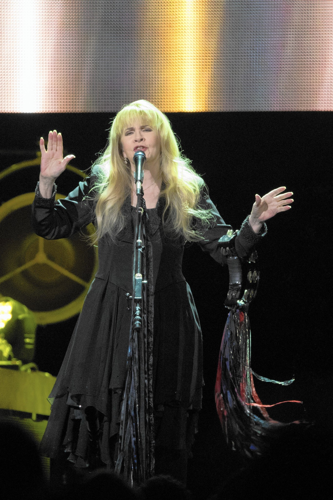 Stevie Nicks dazzles at the United Center