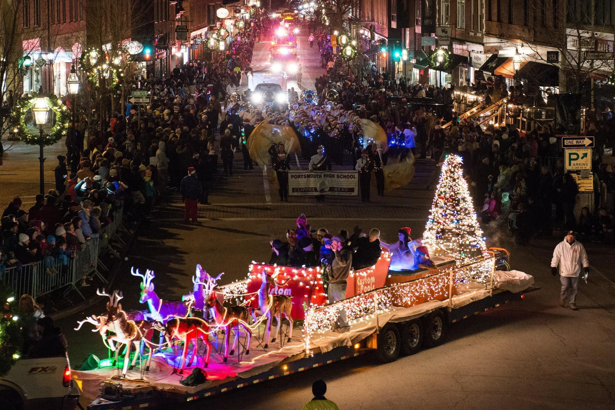 New England Pulls Out The Stops For Christmas Hartford