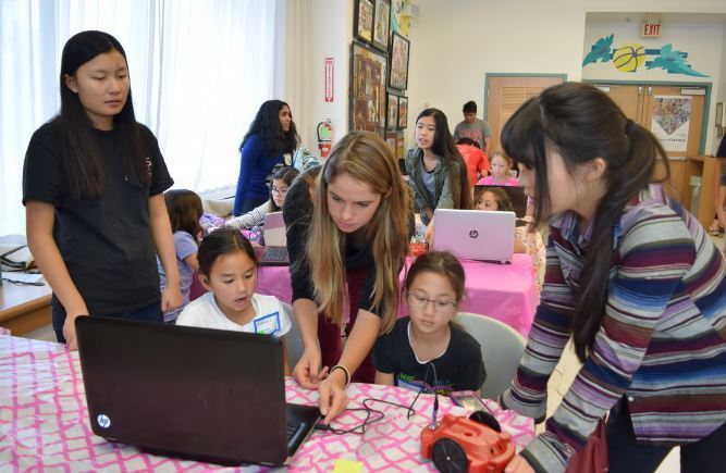 A previous STEM event at the Carmel Valley Library.