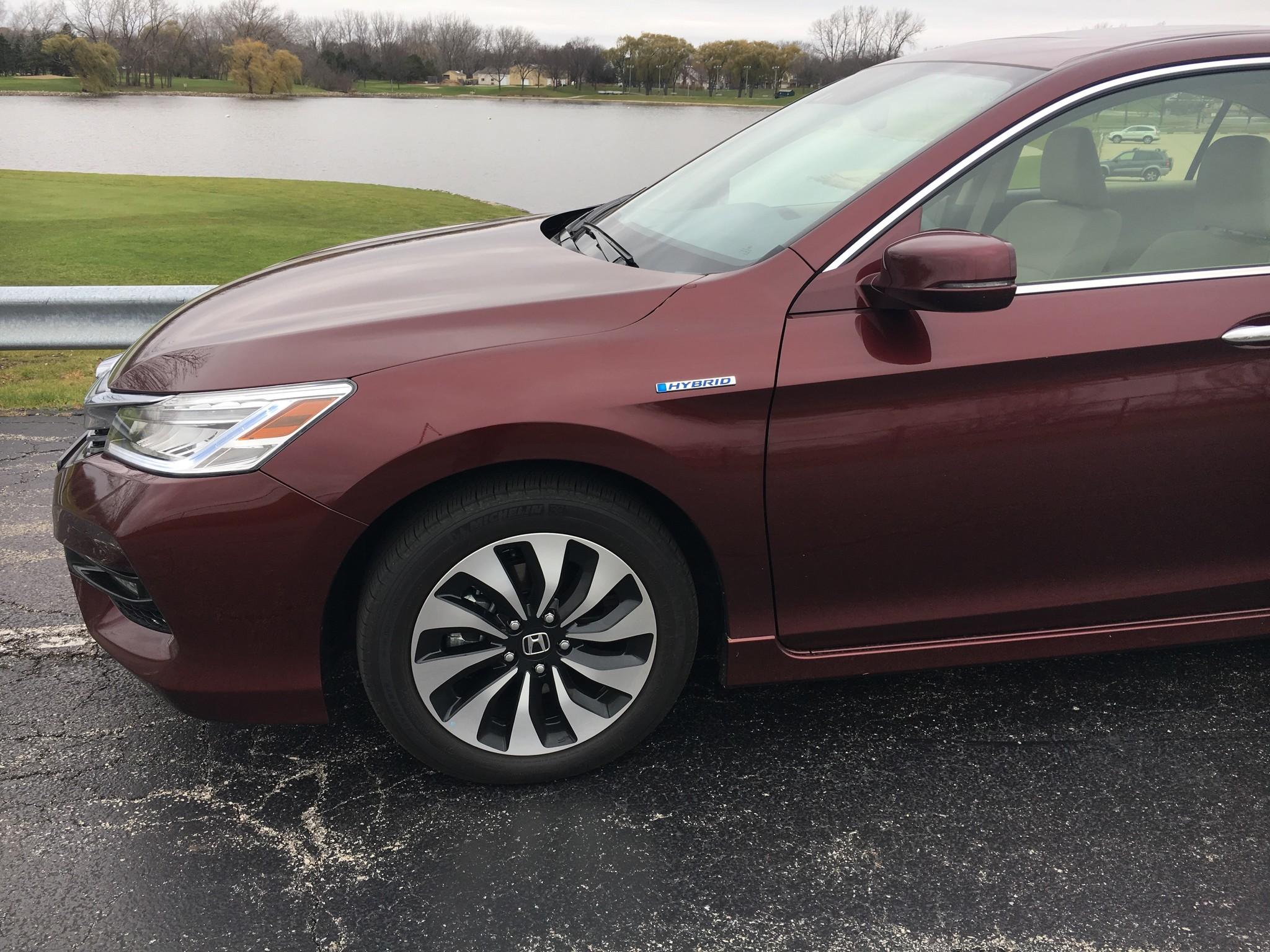2017 Honda Accord Hybrid Makes 50 Mpg Come Easy Chicago Tribune