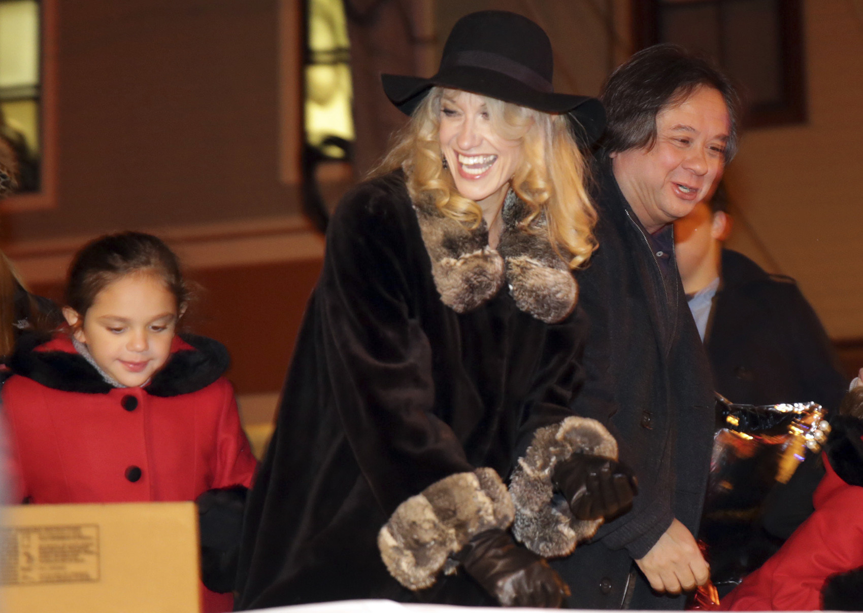 Conway Christmas Parade 2019 Trump campaign manager Kellyanne Conway leads New Jersey Christmas