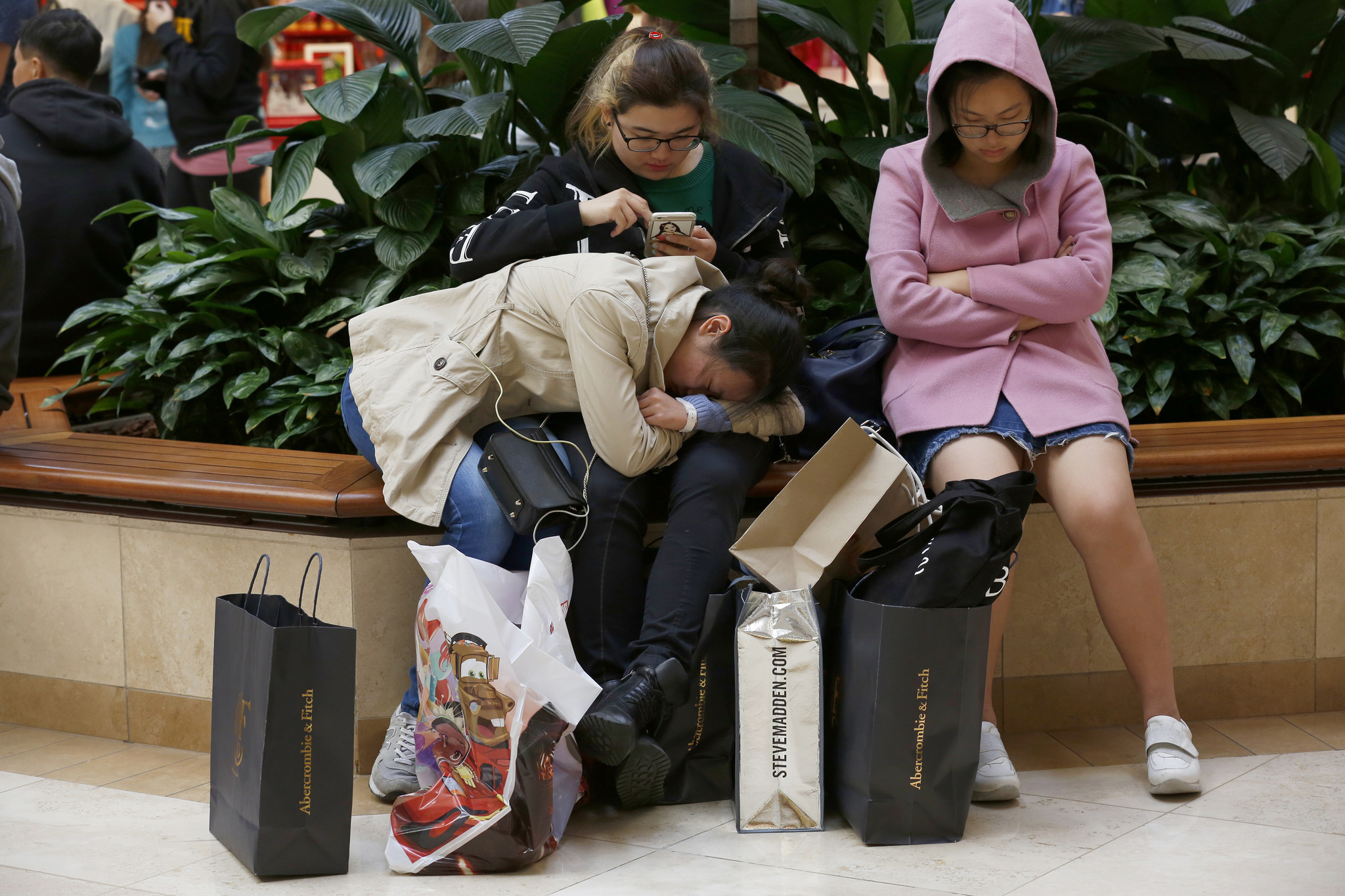 b40bd107623 ... showing a reluctance to spend lavishly at the start of the holiday  shopping season. Last month