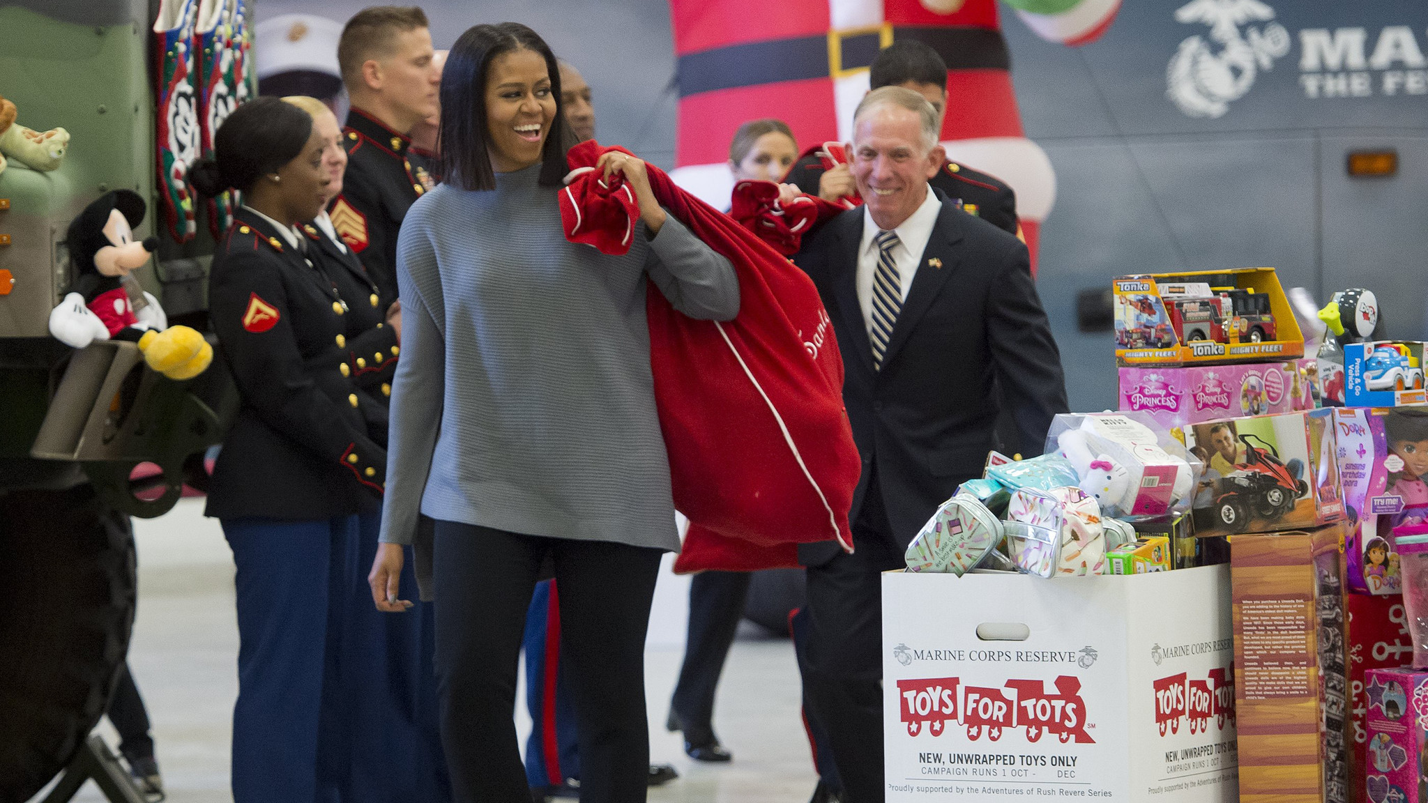 Find A Toys For Tots Drop Off With Help From Chicago S Sim Partners Tribune